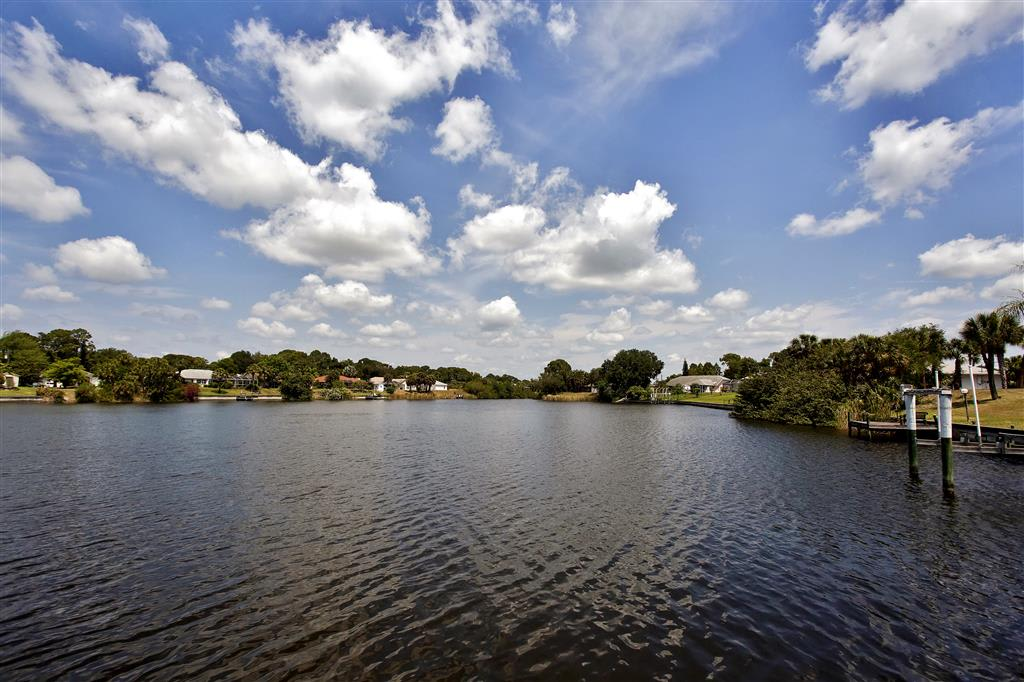 Admire sensational water views of the lake from all over the house!