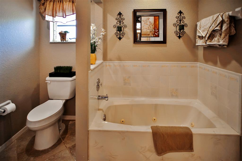 Soak your worries away in this deep jetted tub!