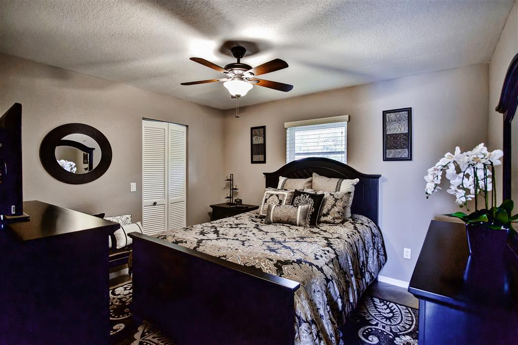 Get a good night's sleep in this inviting bedroom.