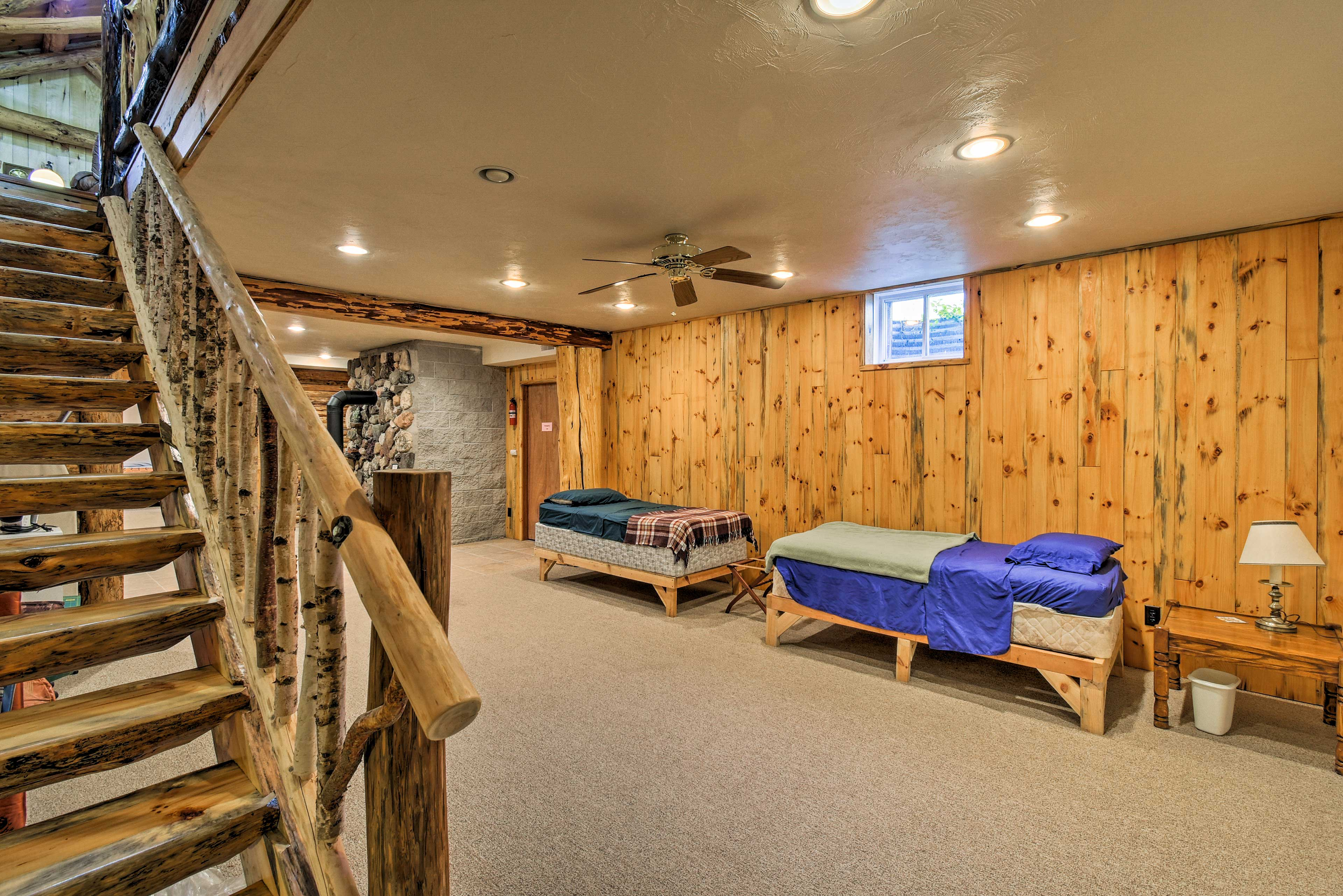 Lower Level | 2 Twin Beds