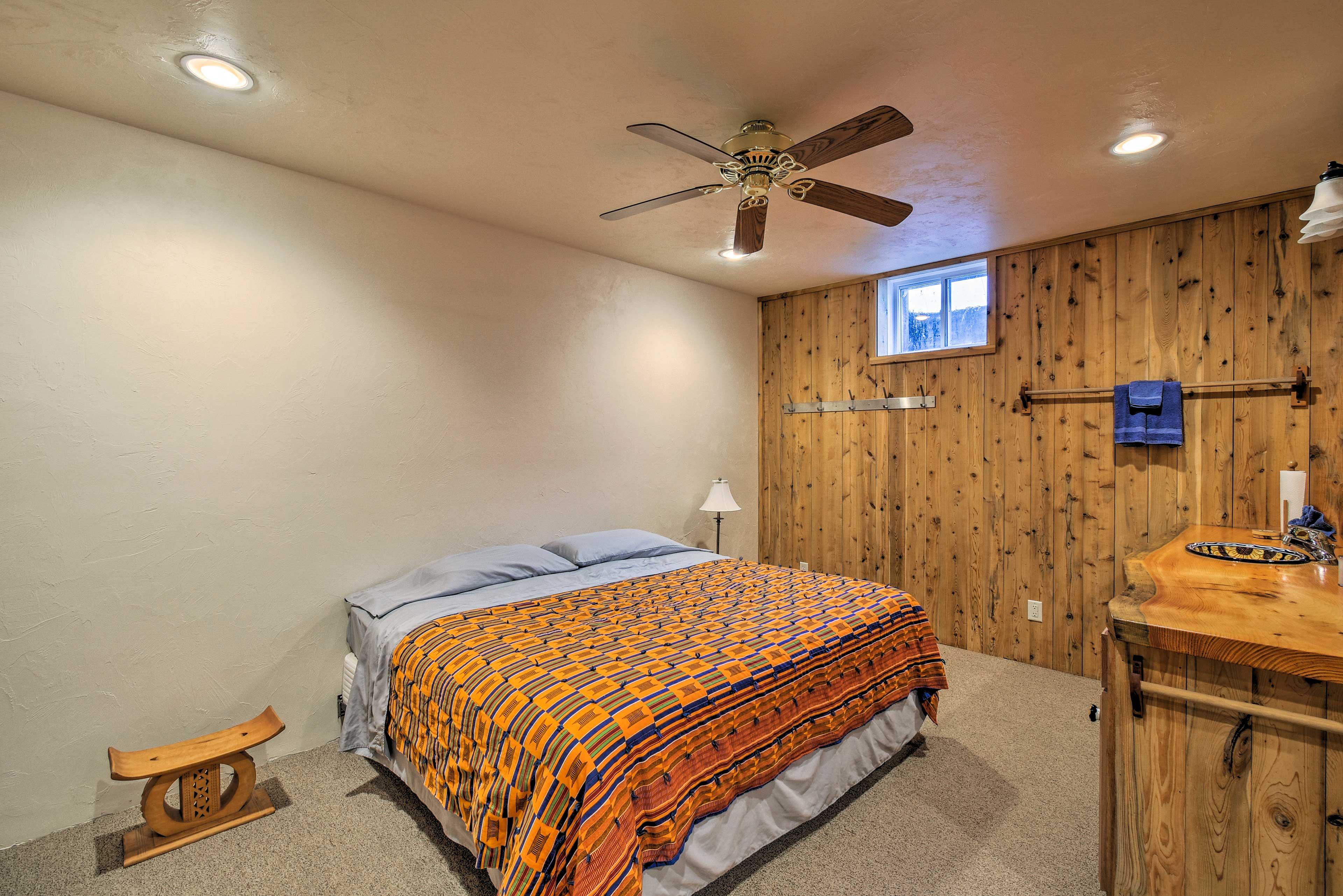 Master Bedroom 2 | King Bed | Lower Level