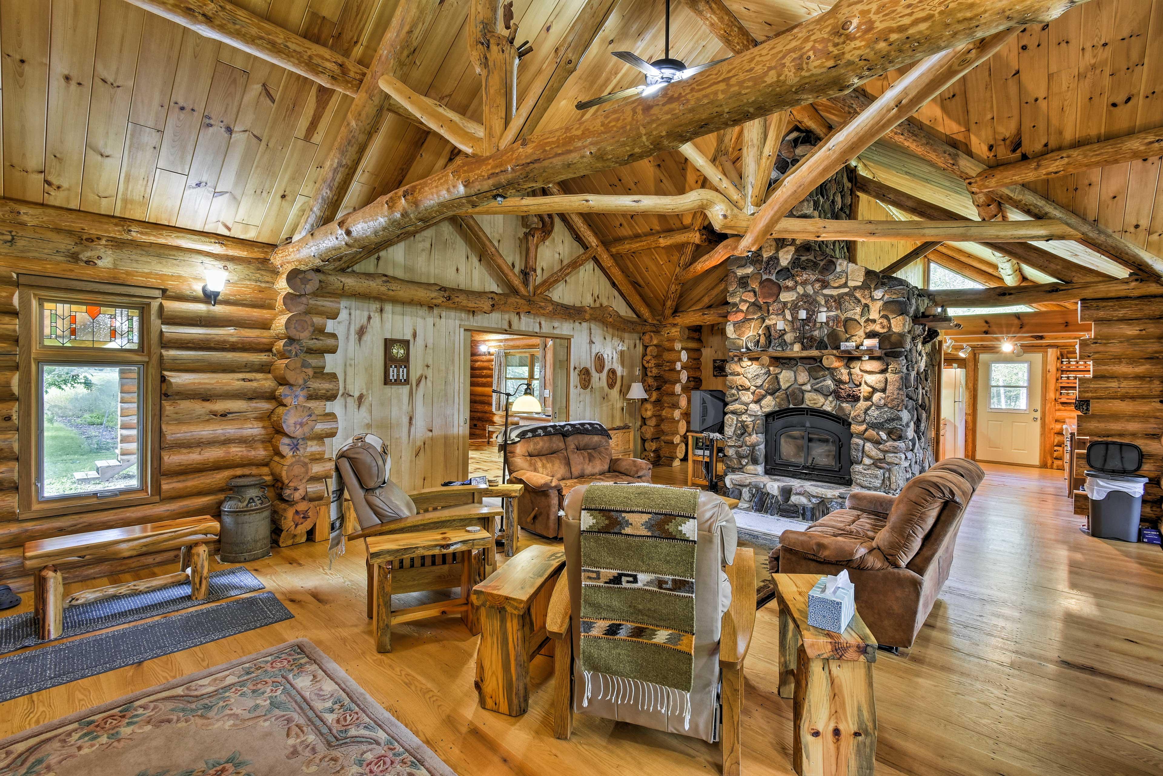 Living Room | A Few Steps to Enter