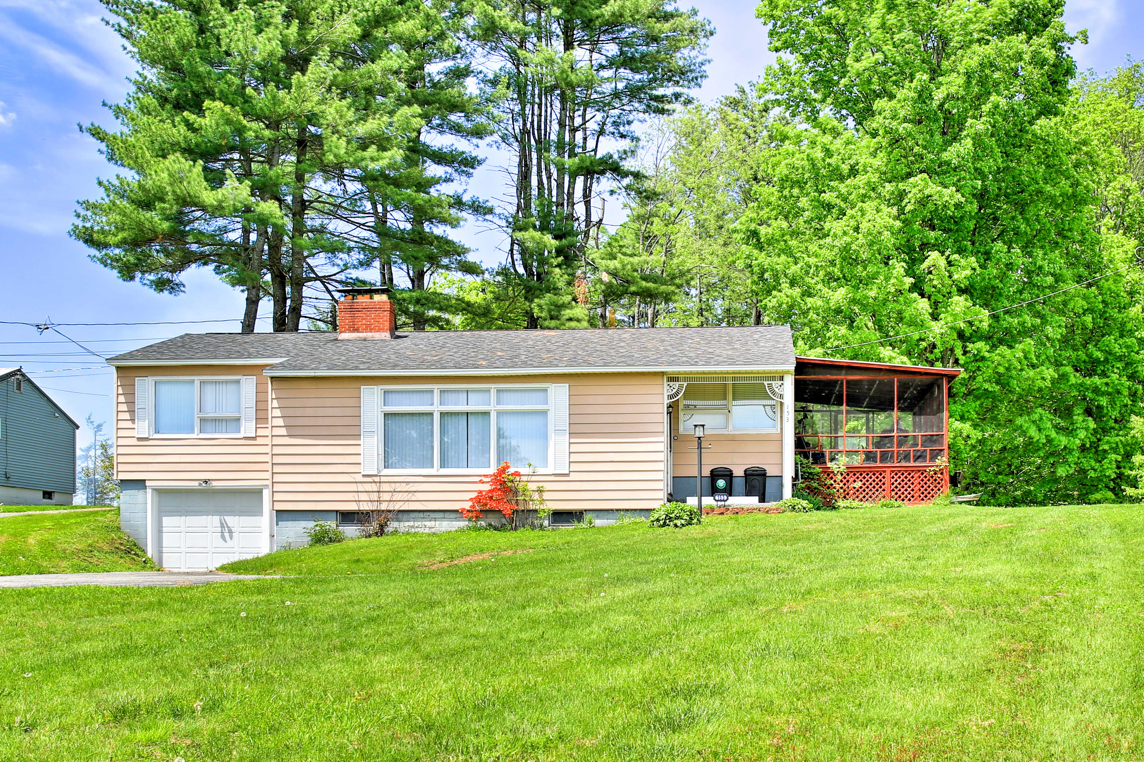 Mayfield Vacation Rental   3BR   2BA   1,340 Sq Ft   1 Story