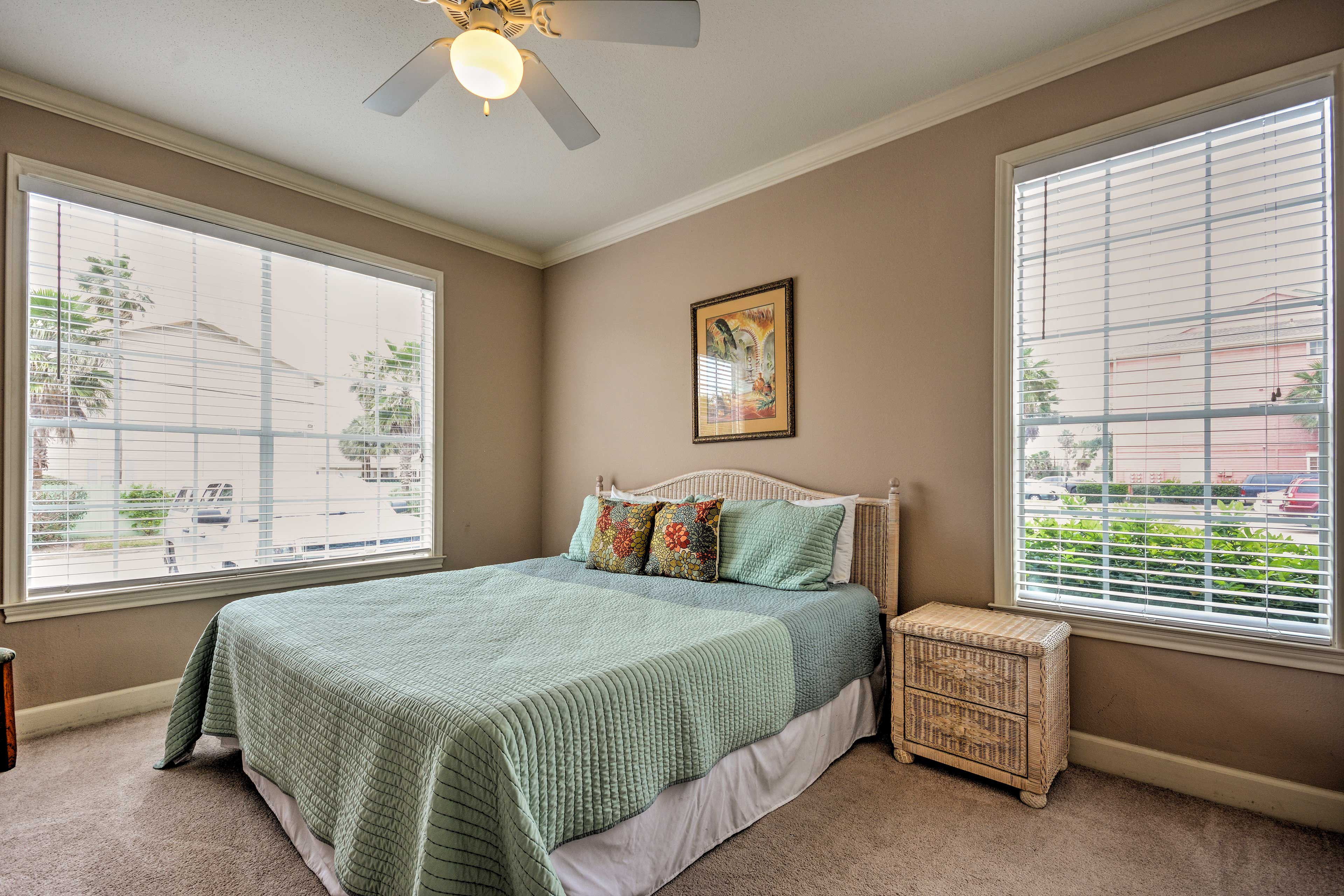 Bedroom 2 | King Bed | Linens Provided