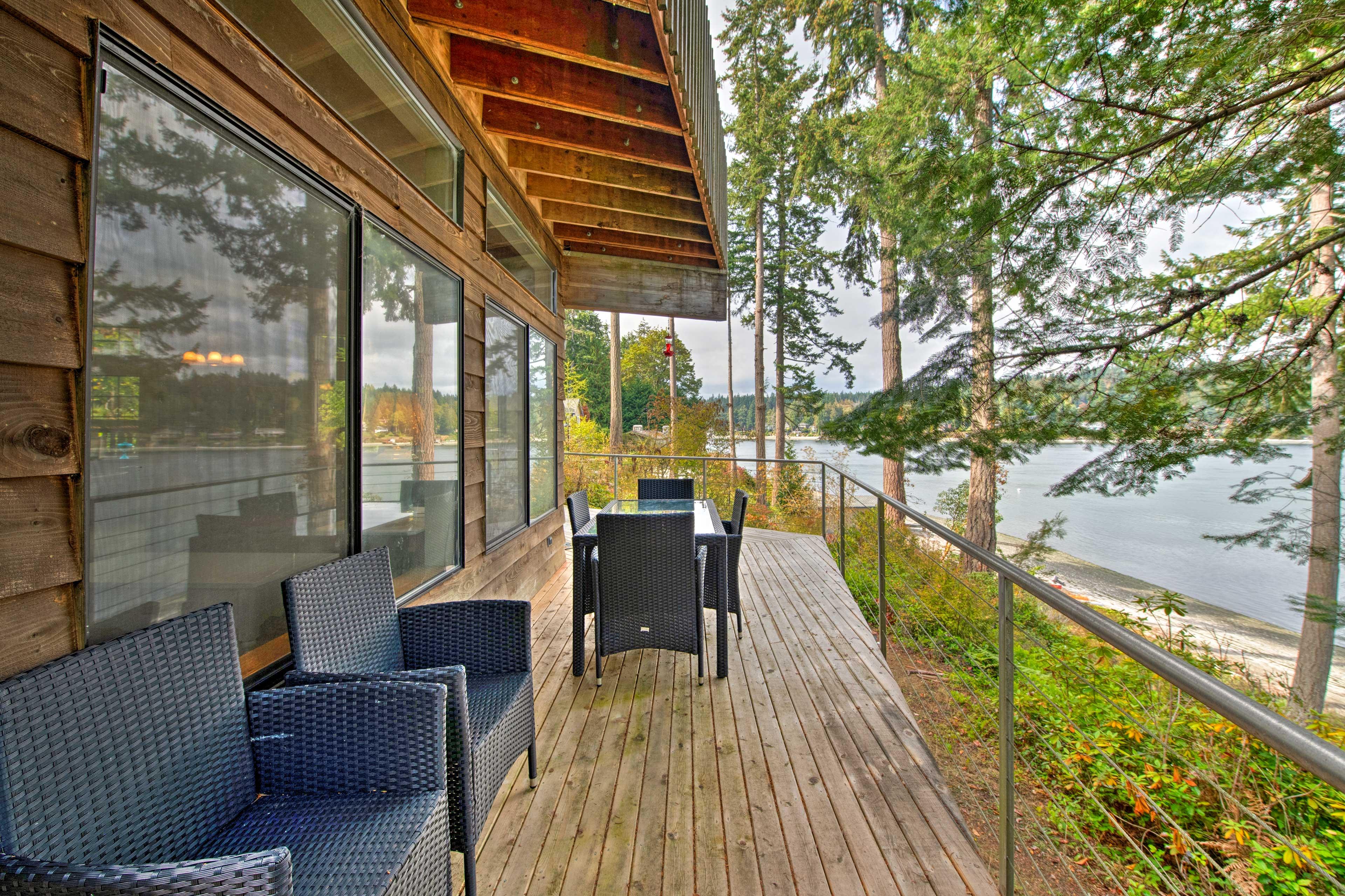 1st-Floor Wraparound Deck | Puget Sound Views