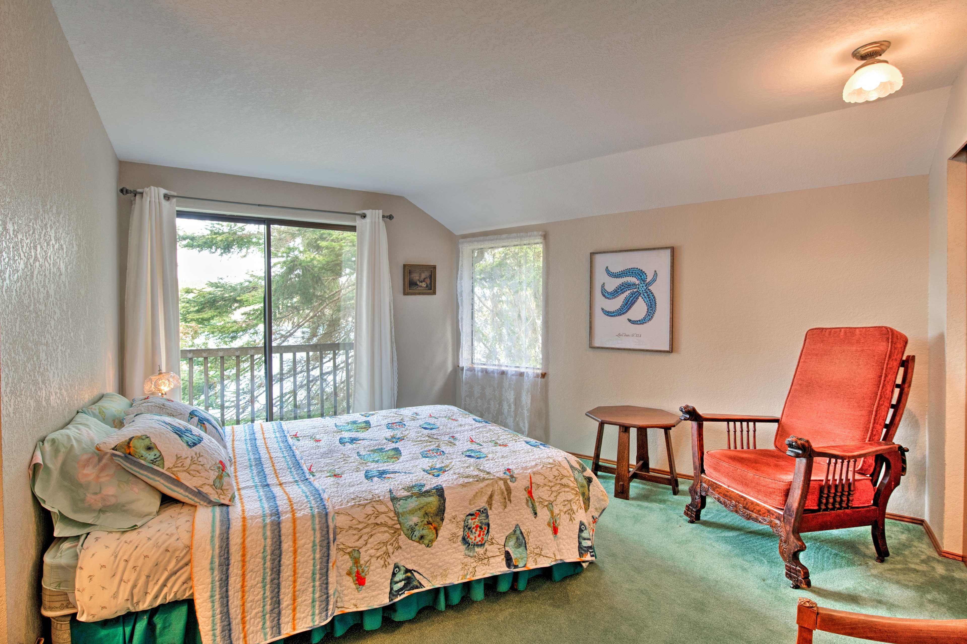 Bedroom 3 | 2nd Floor | Queen Bed