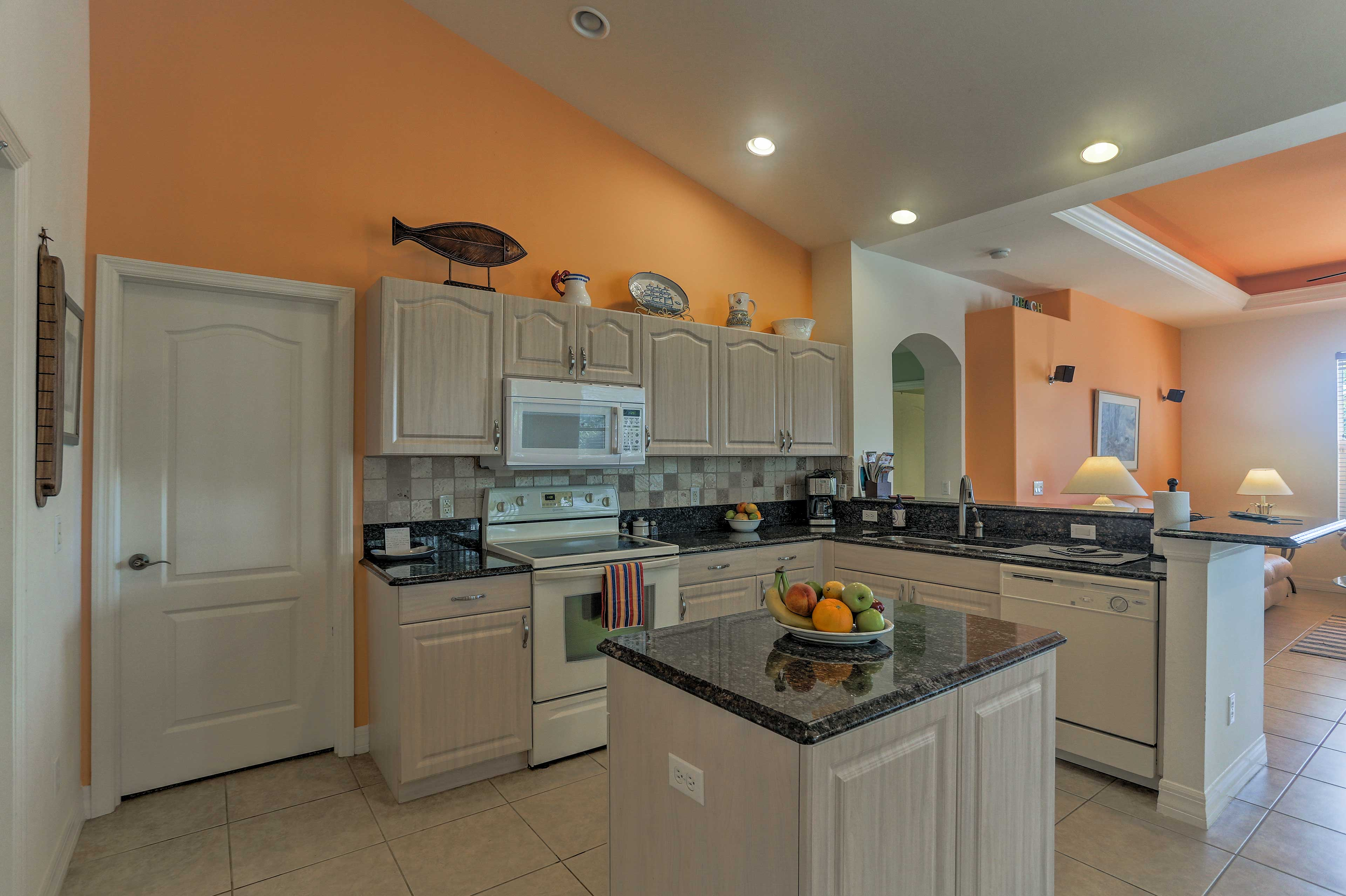 Kitchen | Fully Equipped | Dishwasher | Drip Coffee Maker
