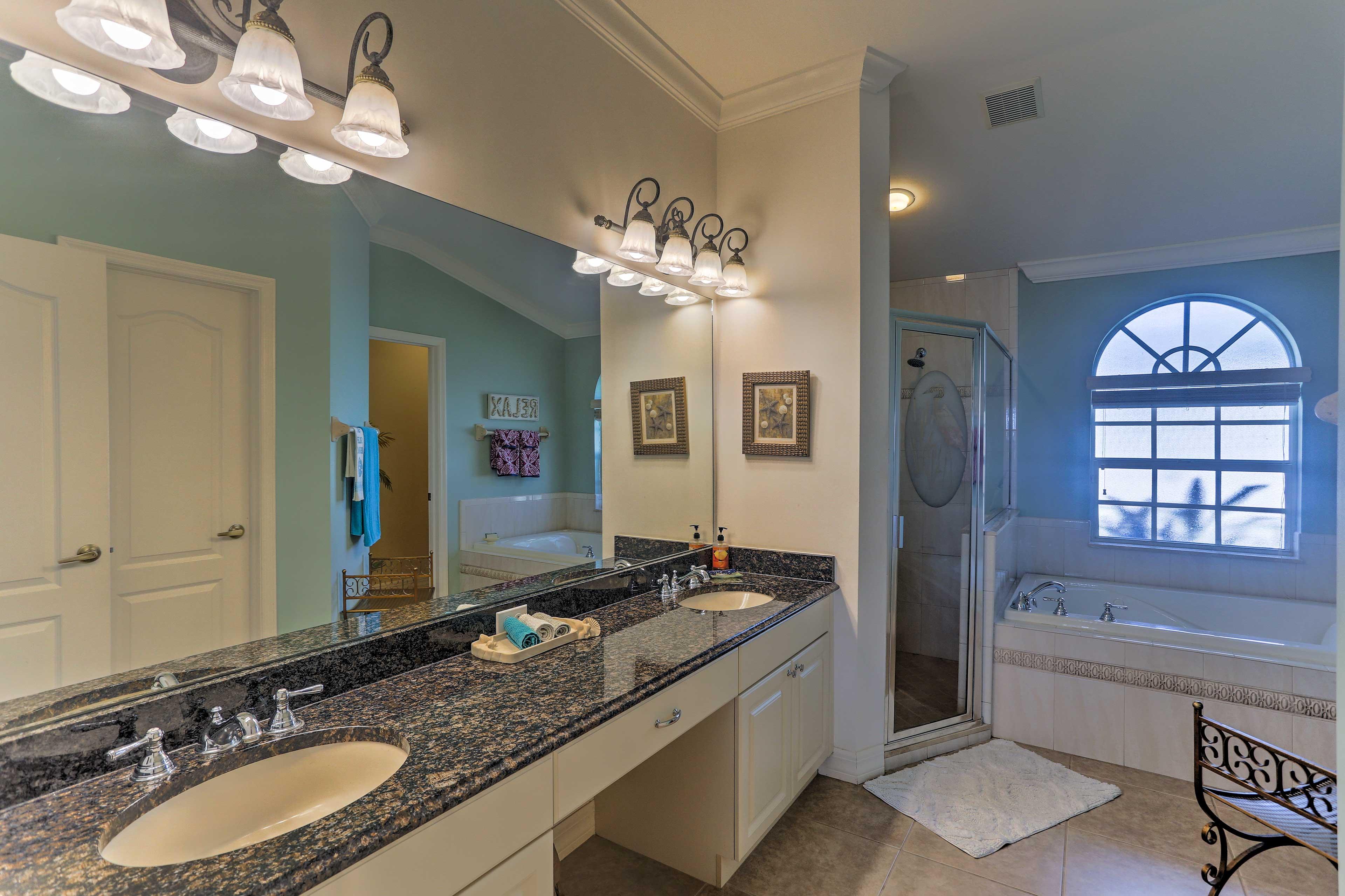 En-Suite Bathroom | Towels Provided
