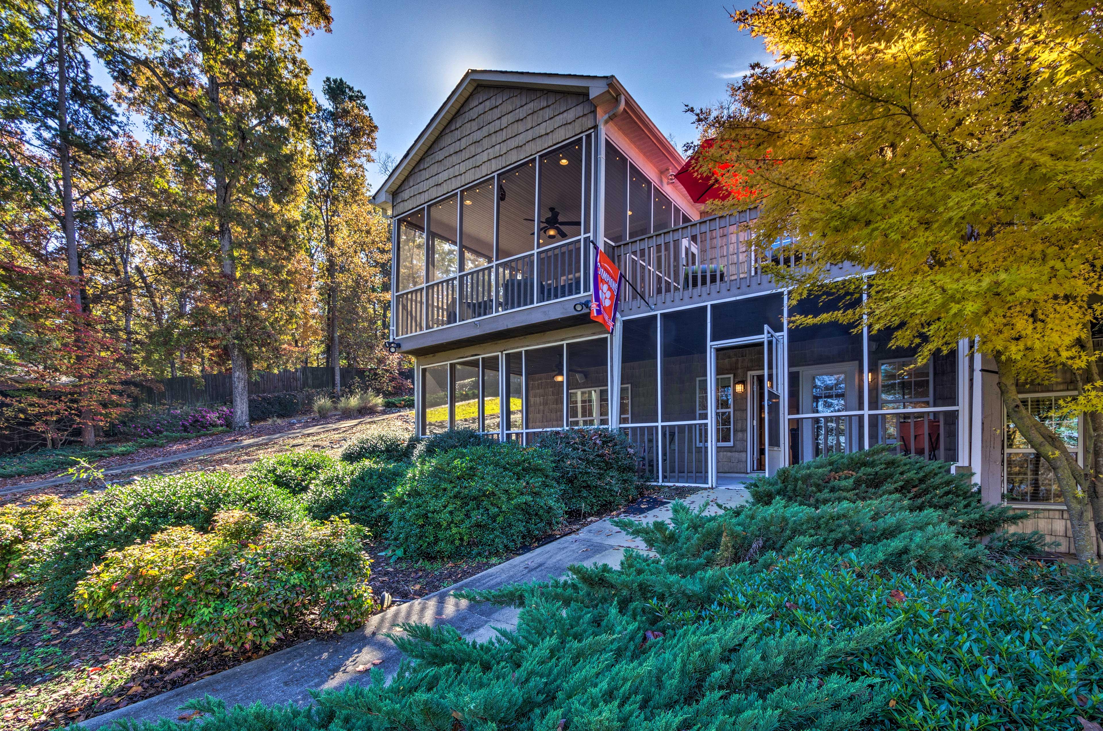 Seneca Vacation Rental Townhome | 3BR | 2.5BA | 1,150 Sq Ft