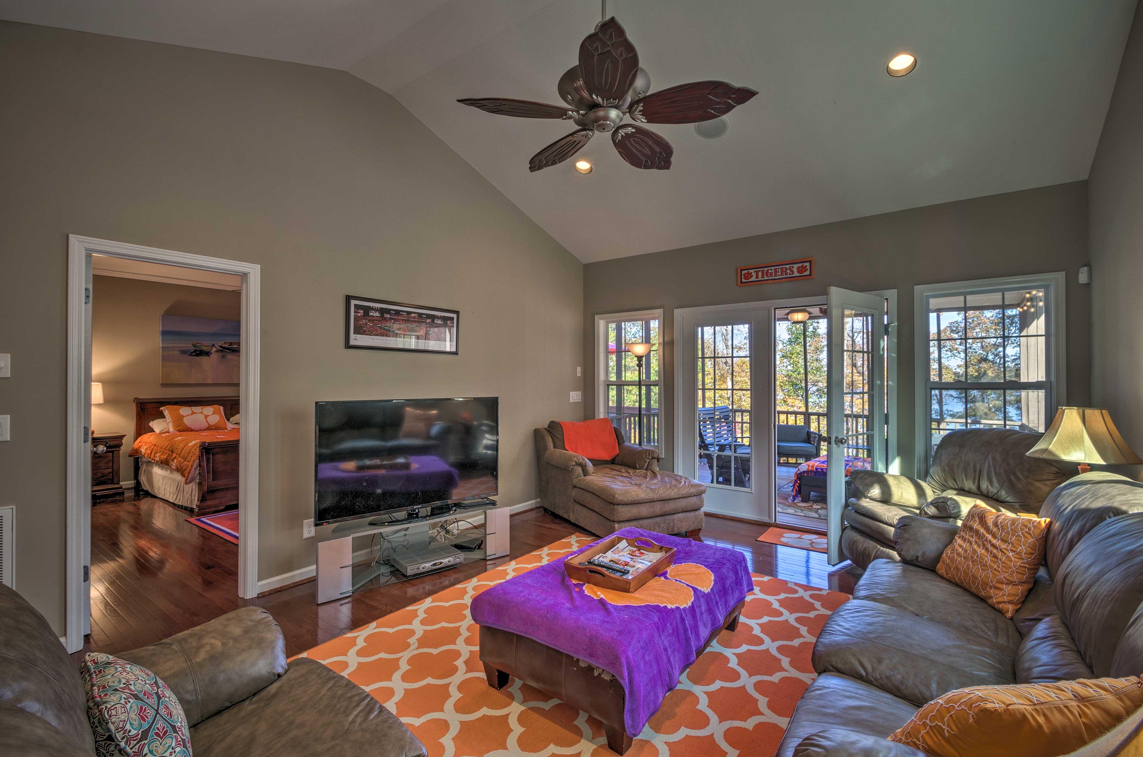 Townhome Interior | Smart TV