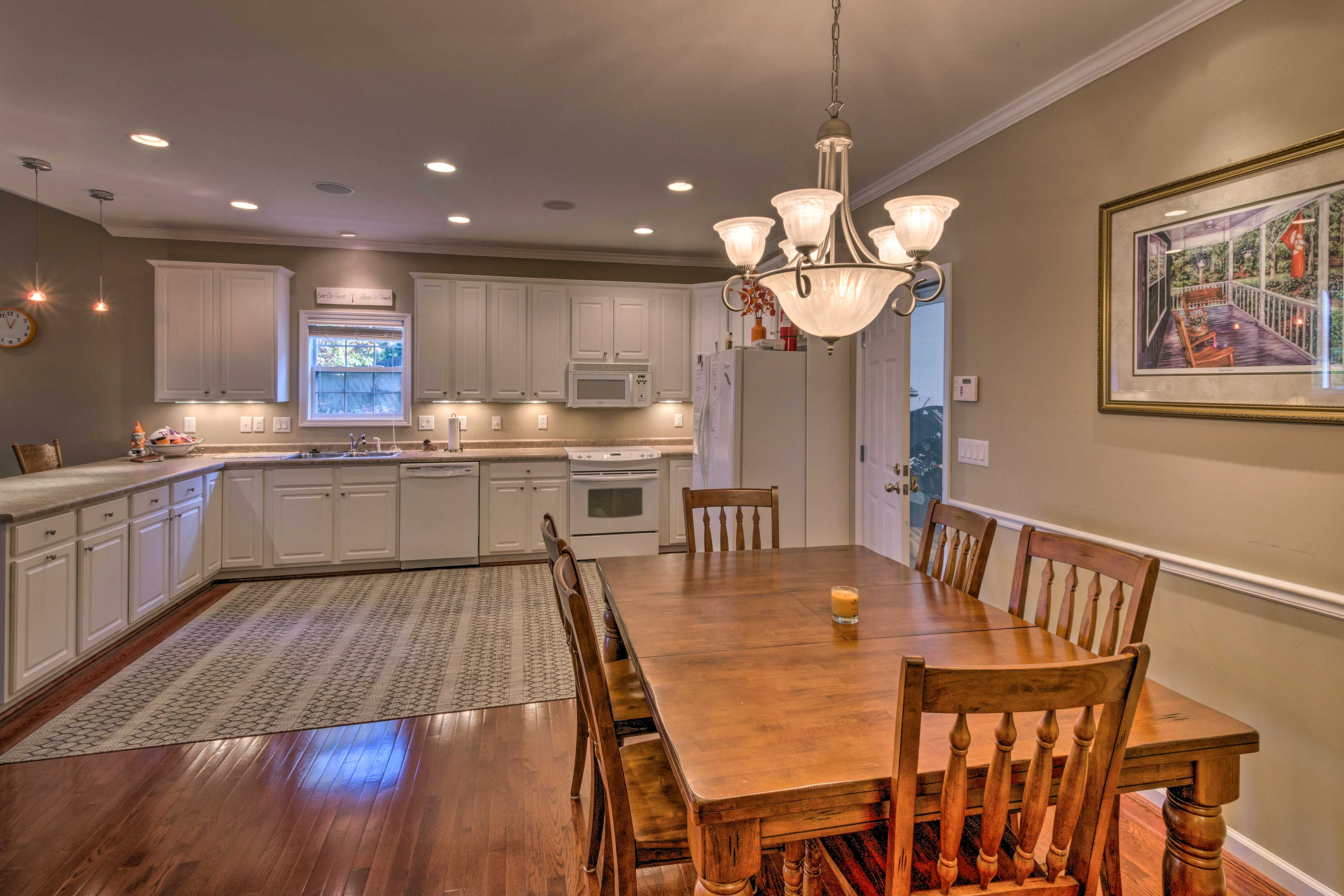 Fully Equipped Kitchen | Dining Table (SEats Maximum Occ)
