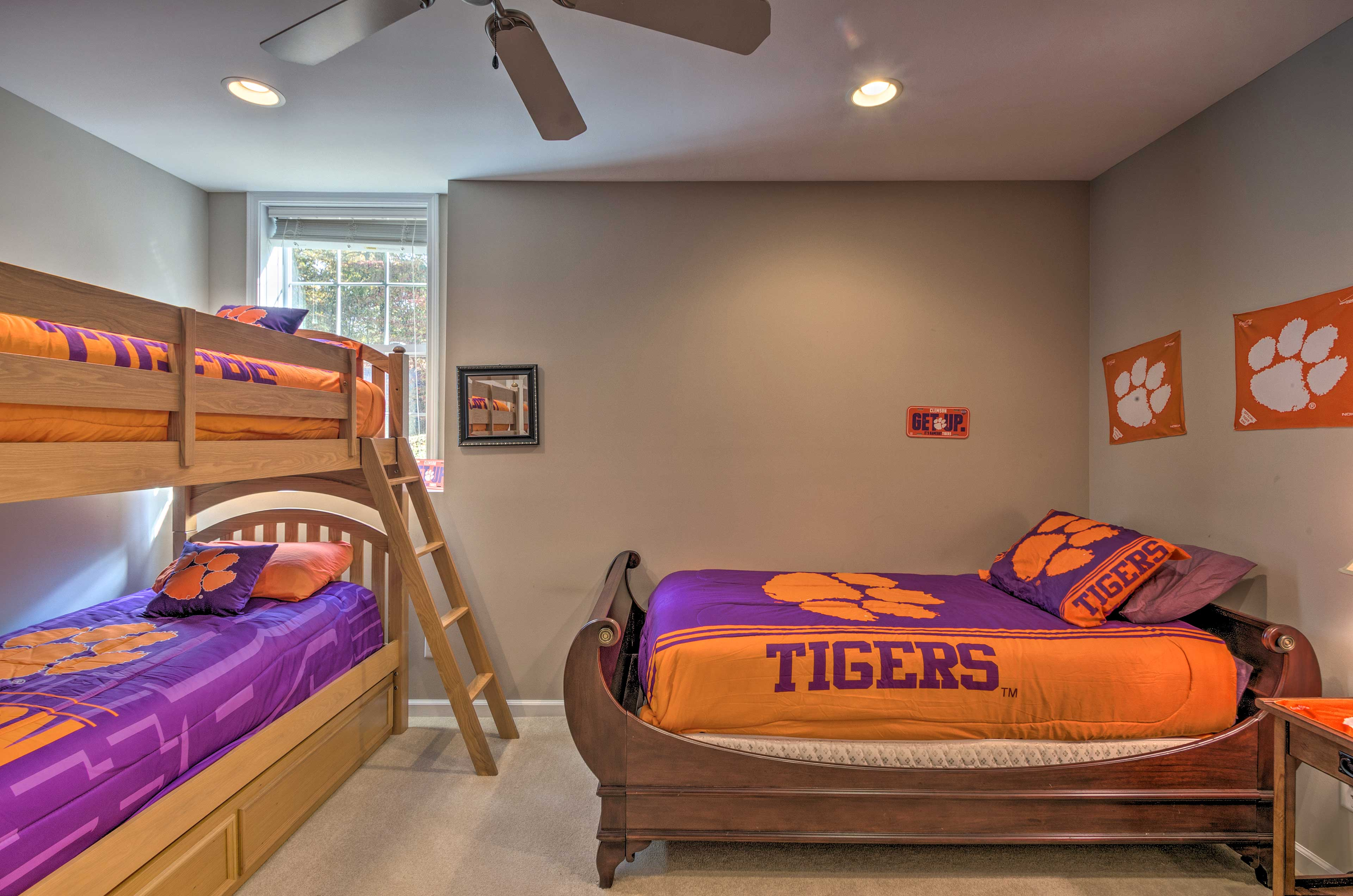 Bedroom 3 | Twin Bunk Bed | Twin Bed