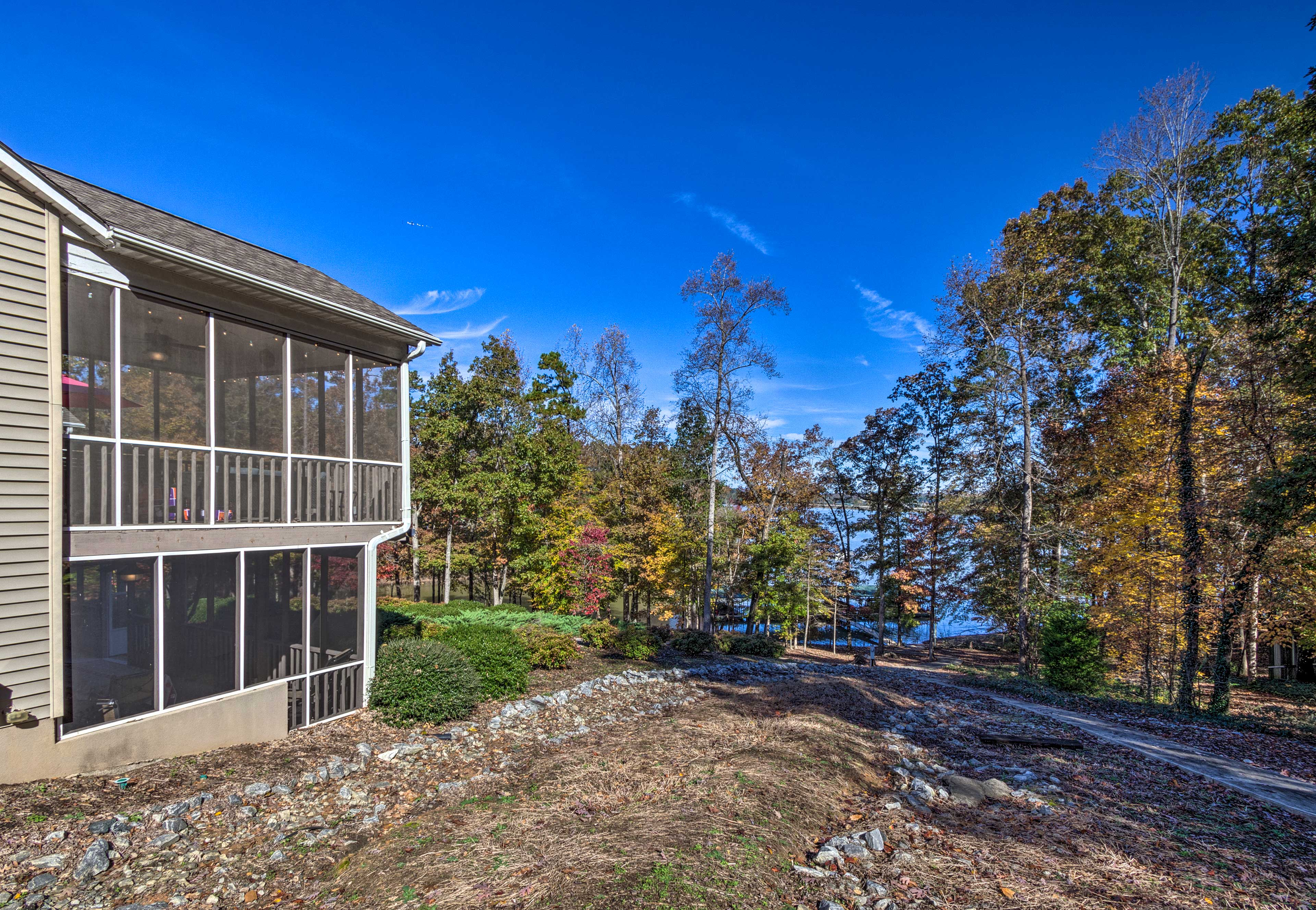 Townhome Exterior | Walk to Lake Hartwell