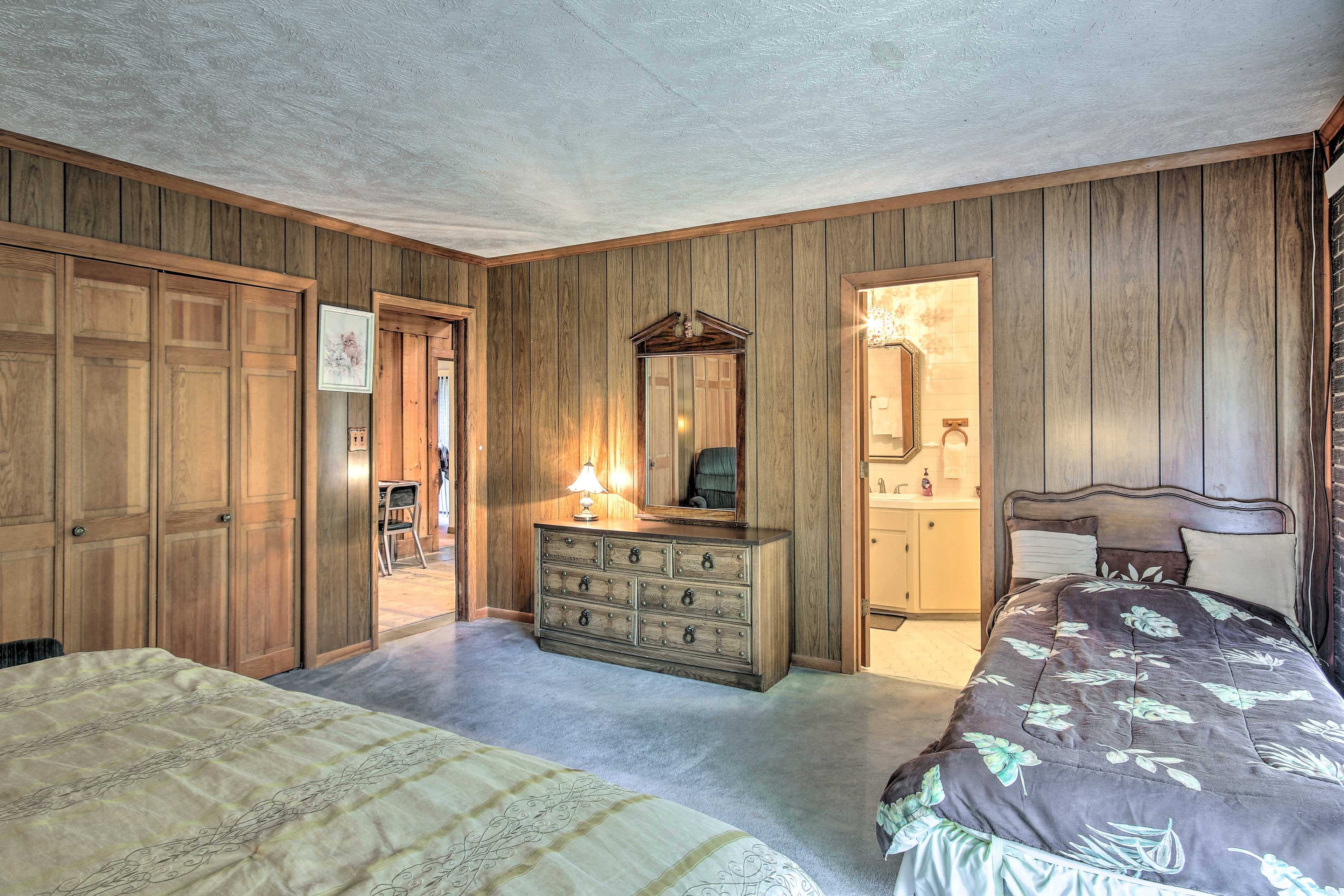 There's also a twin bed making this room great for families.