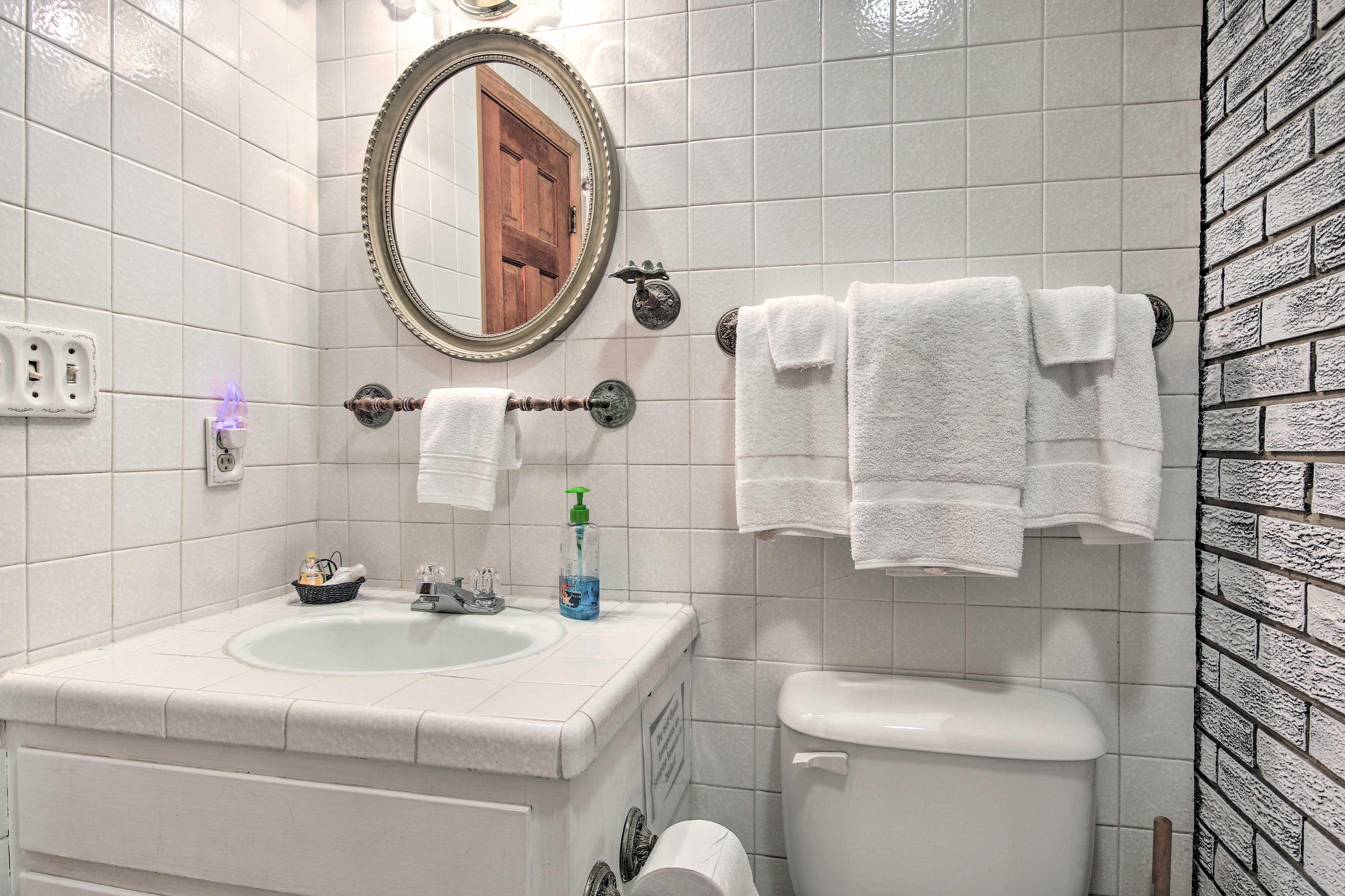 Enjoy the added luxury of another en-suite bathroom.