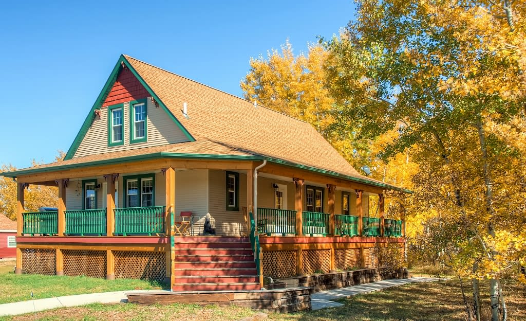 Red Lodge Vacation Rental 6 BR   3 BA   Stairs Required   2,856 Sq Ft