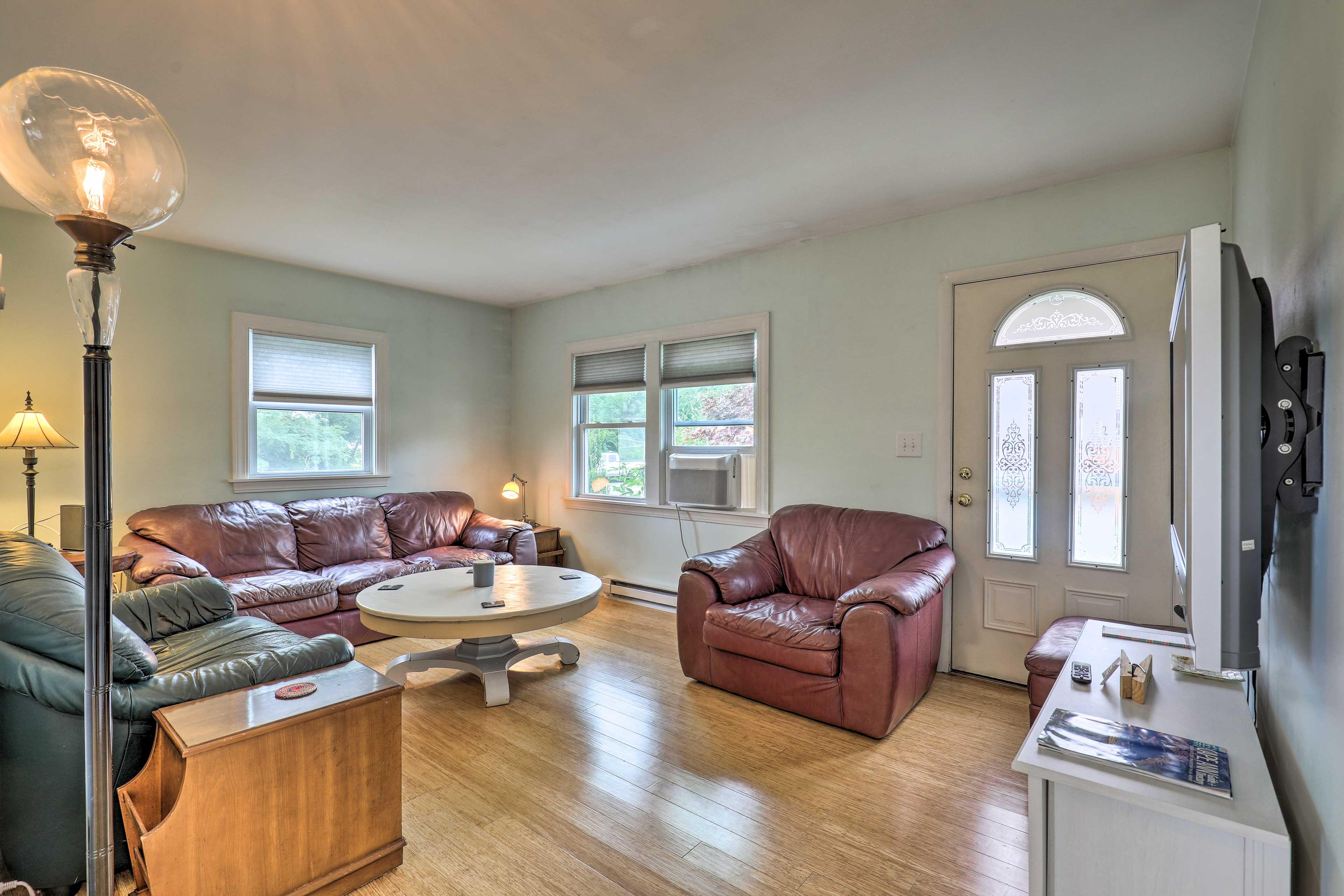 Living Room | Window A/C Unit