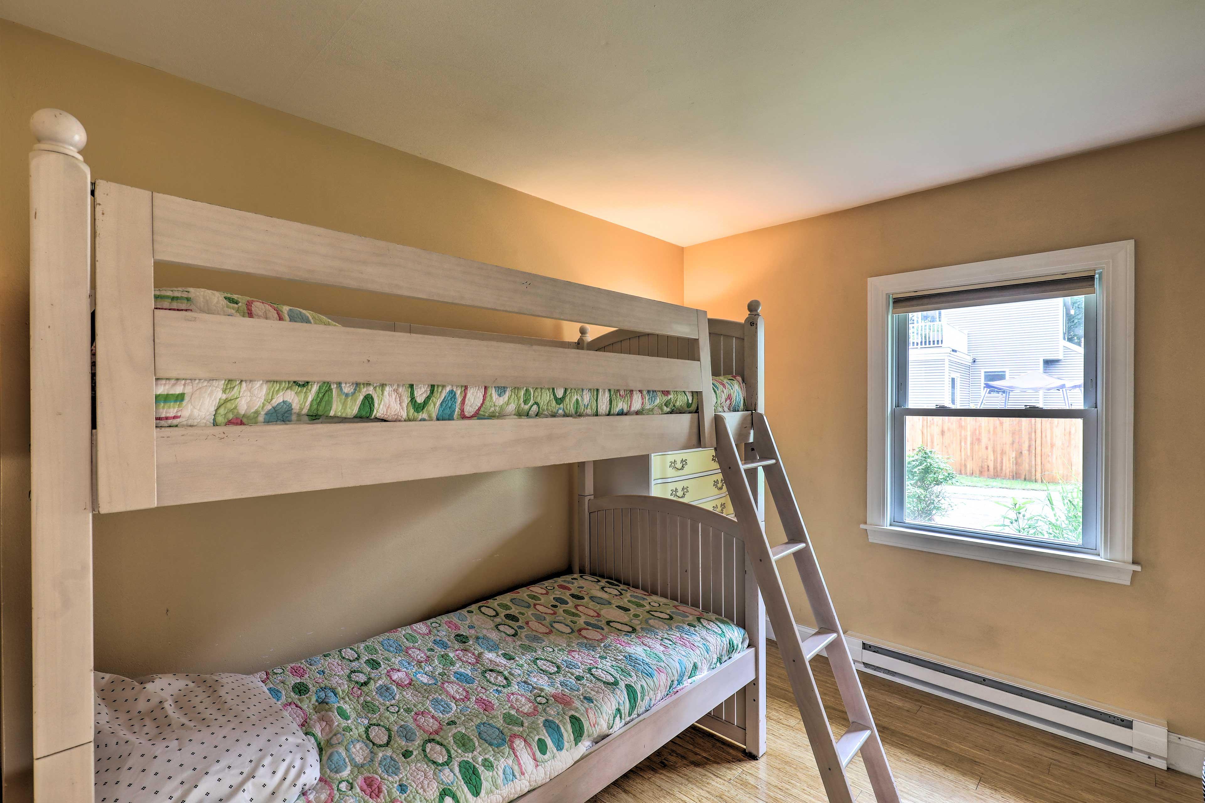 Bedroom 3 | Twin Bunk Bed