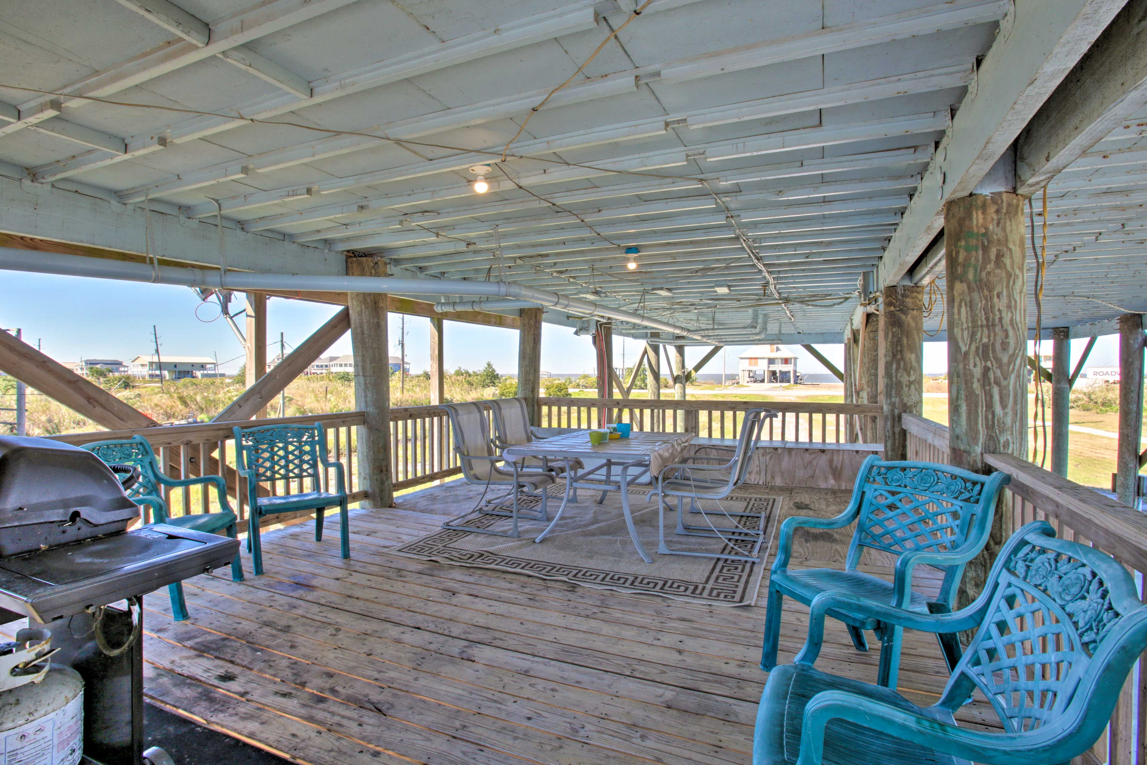 Lower Deck | Gas Grill