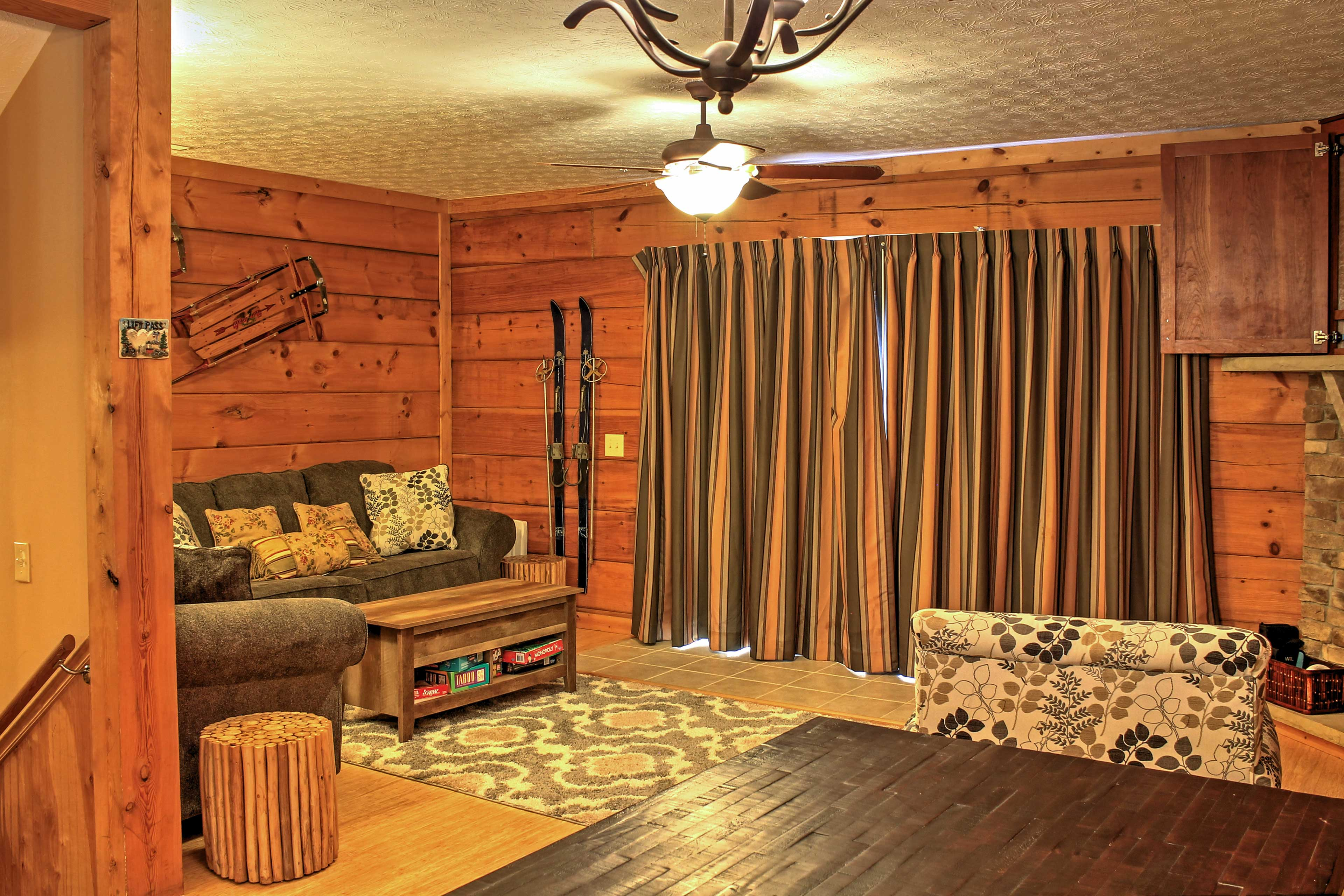 Living Room | Central Air Conditioning & Heat