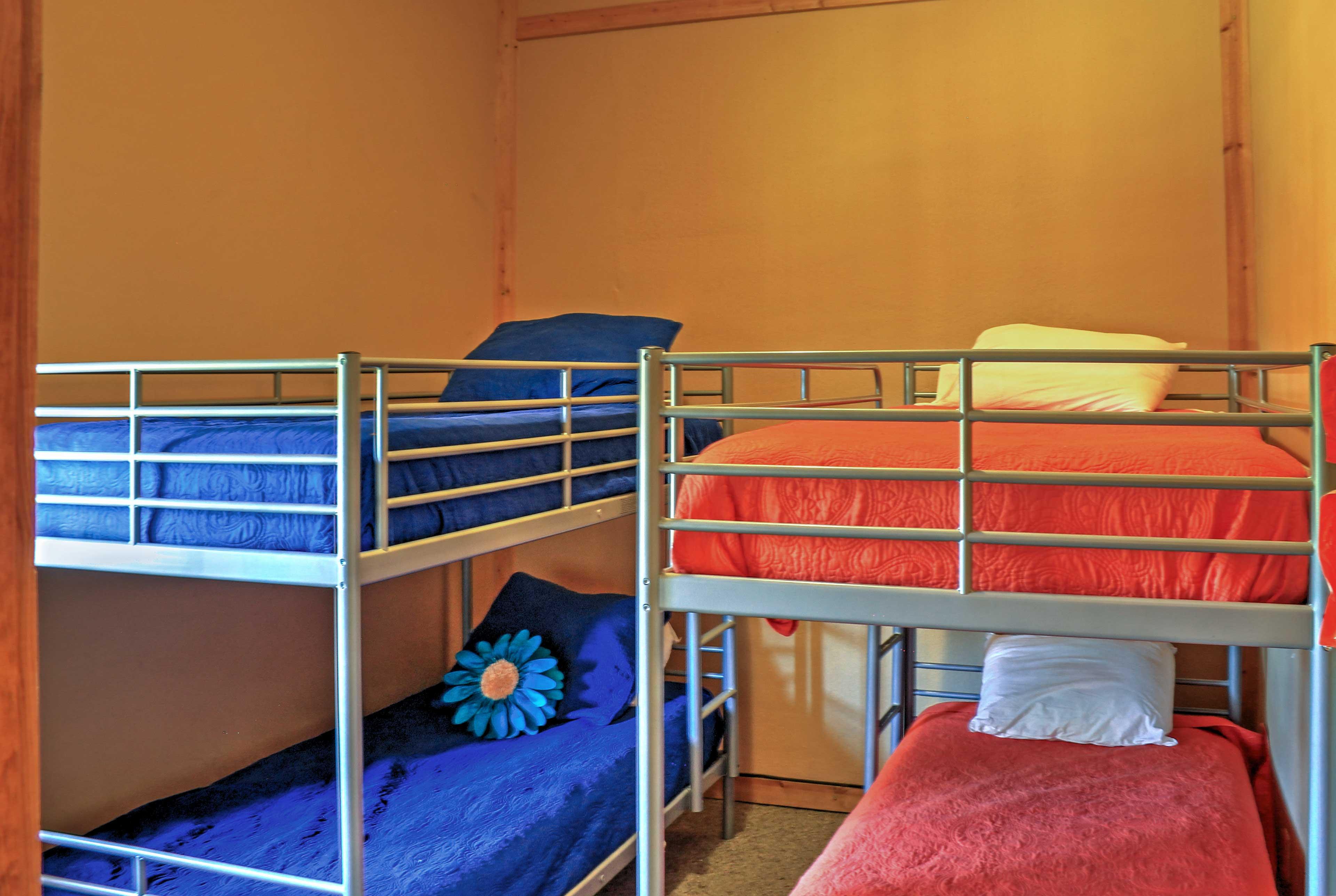 Bedroom 4 | 2 Twin Bunk Beds
