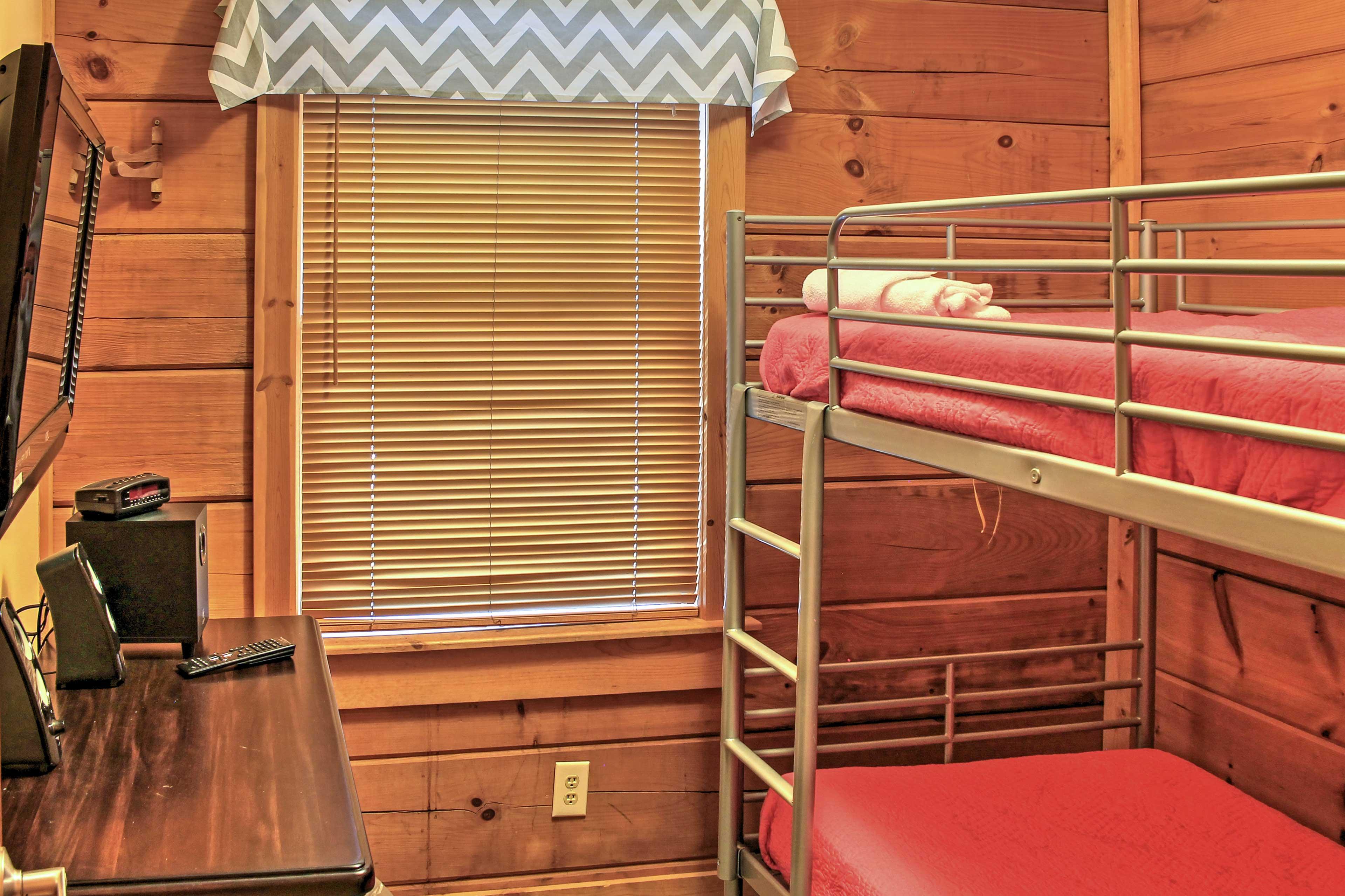 Bedroom 5 | Twin Bunk Bed