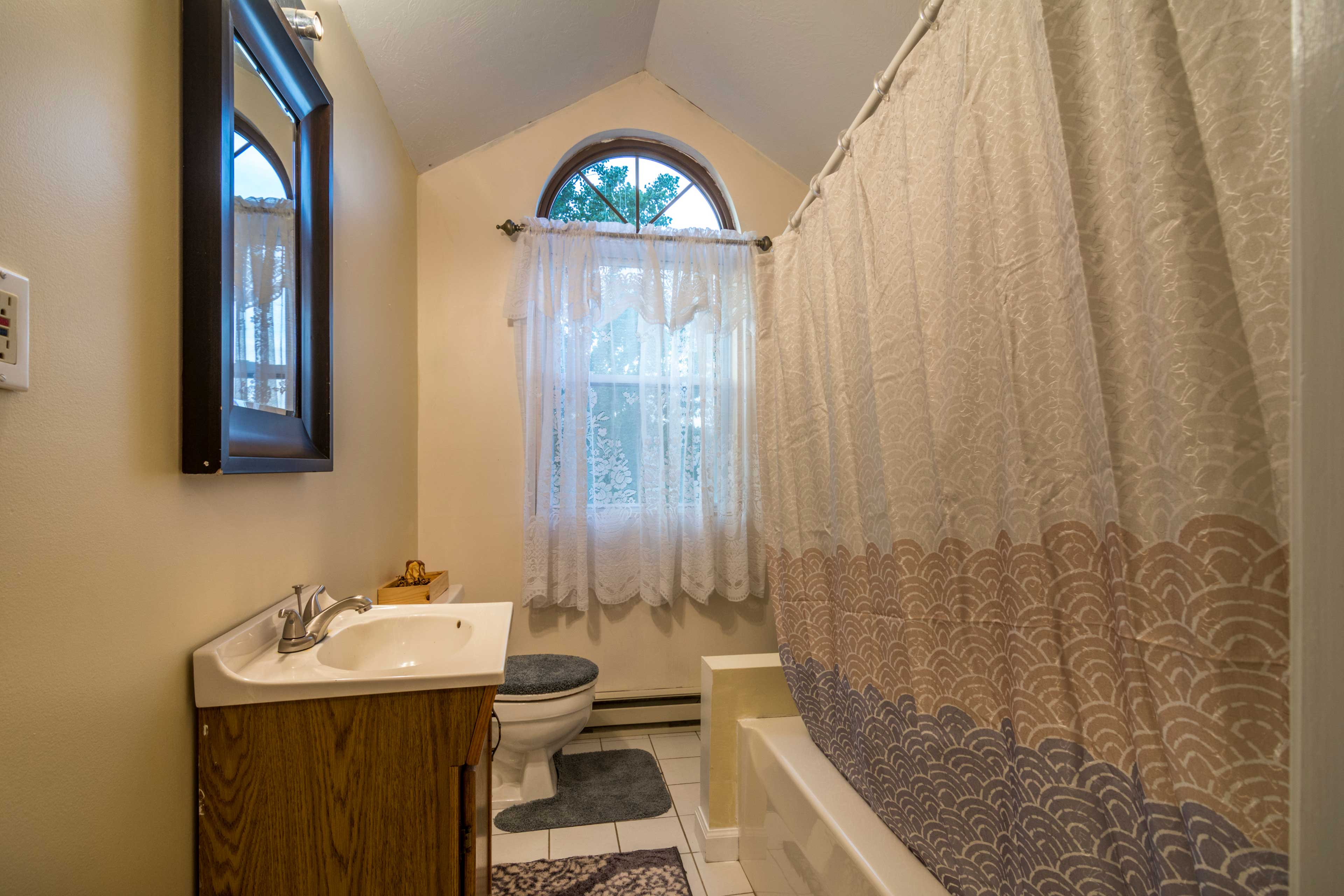 Bathroom 3   Shower/Tub Combo