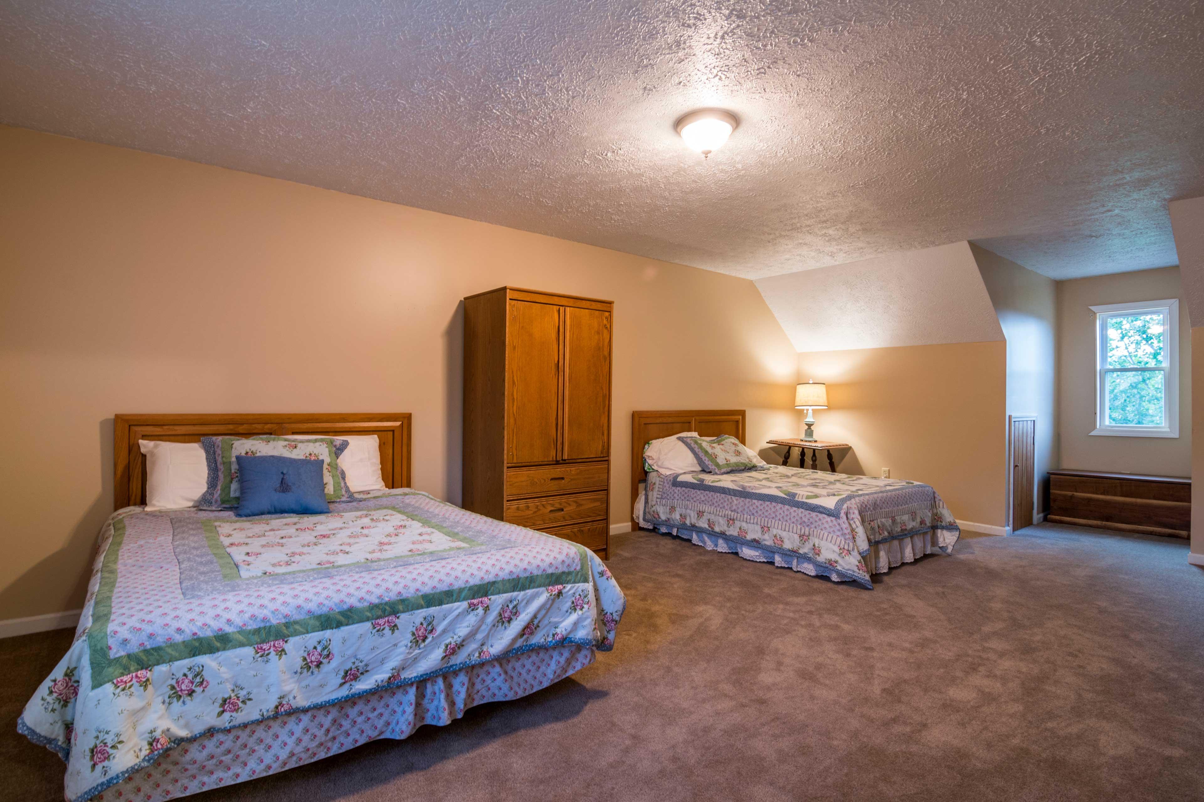 Bedroom 5   2 Full Beds
