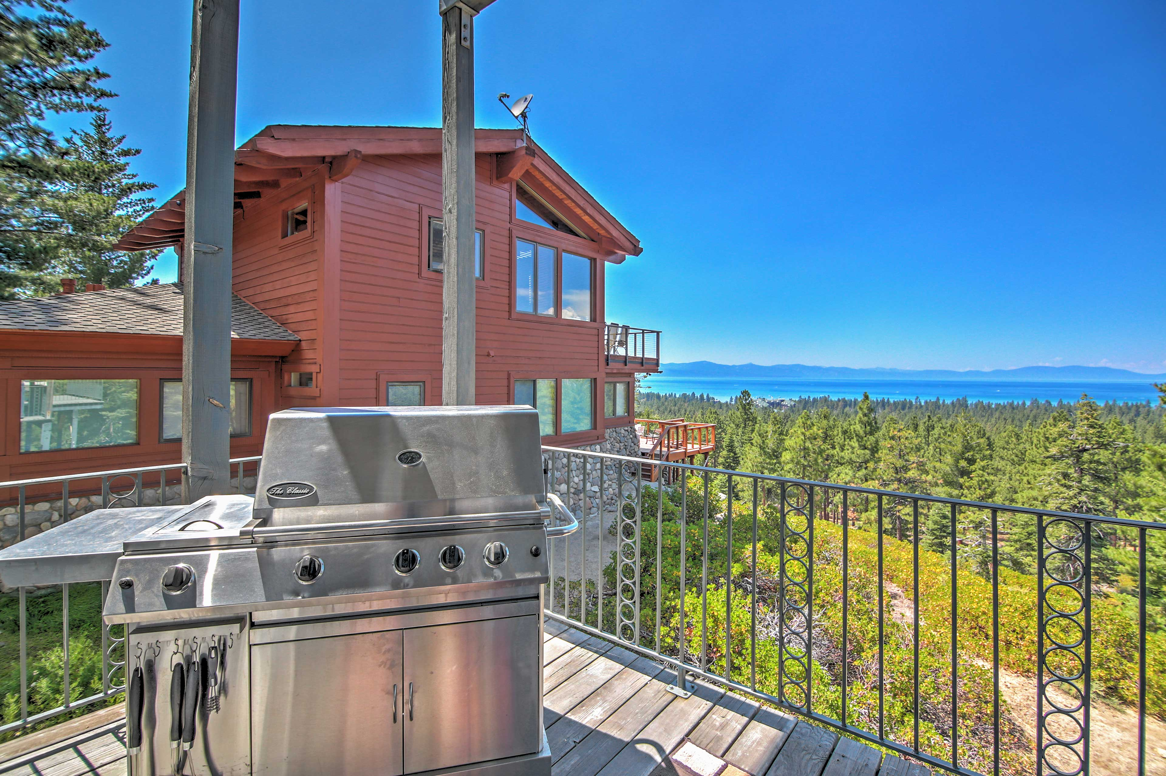 Private Deck   Lake Tahoe Views   Gas Grill