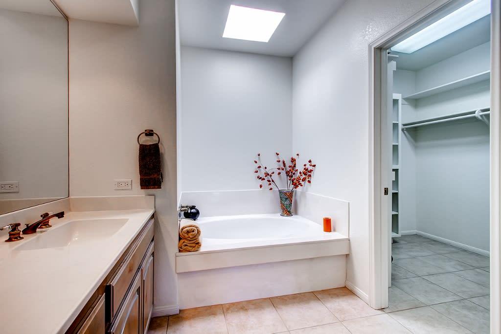 En-Suite Bathroom   Hair Dryer