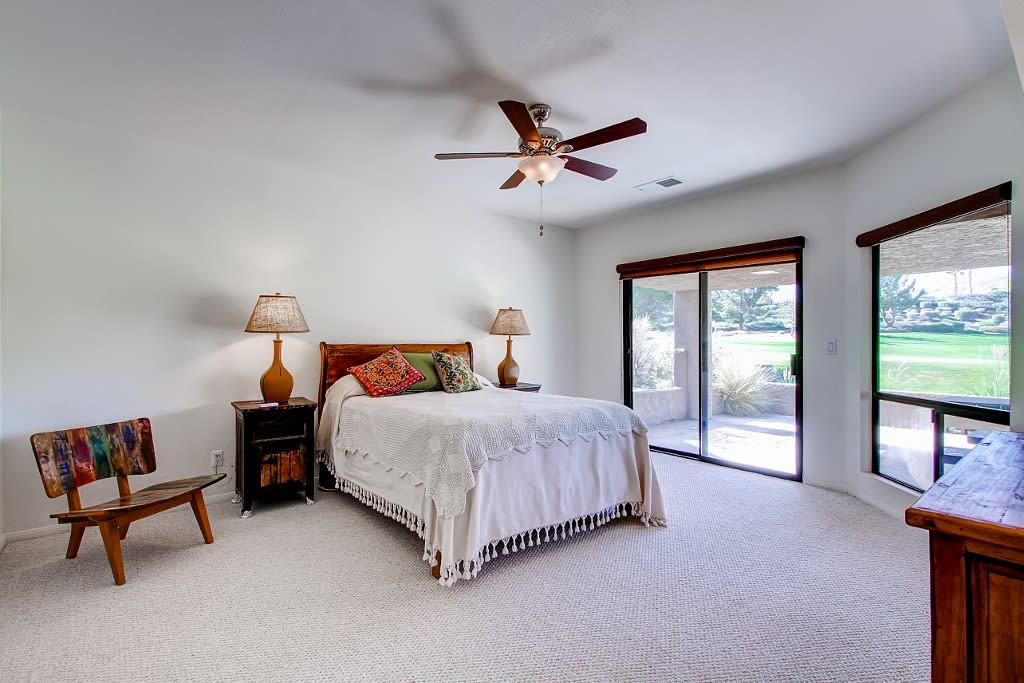 Master Bedroom   Main Floor   Queen Bed   Linens Provided