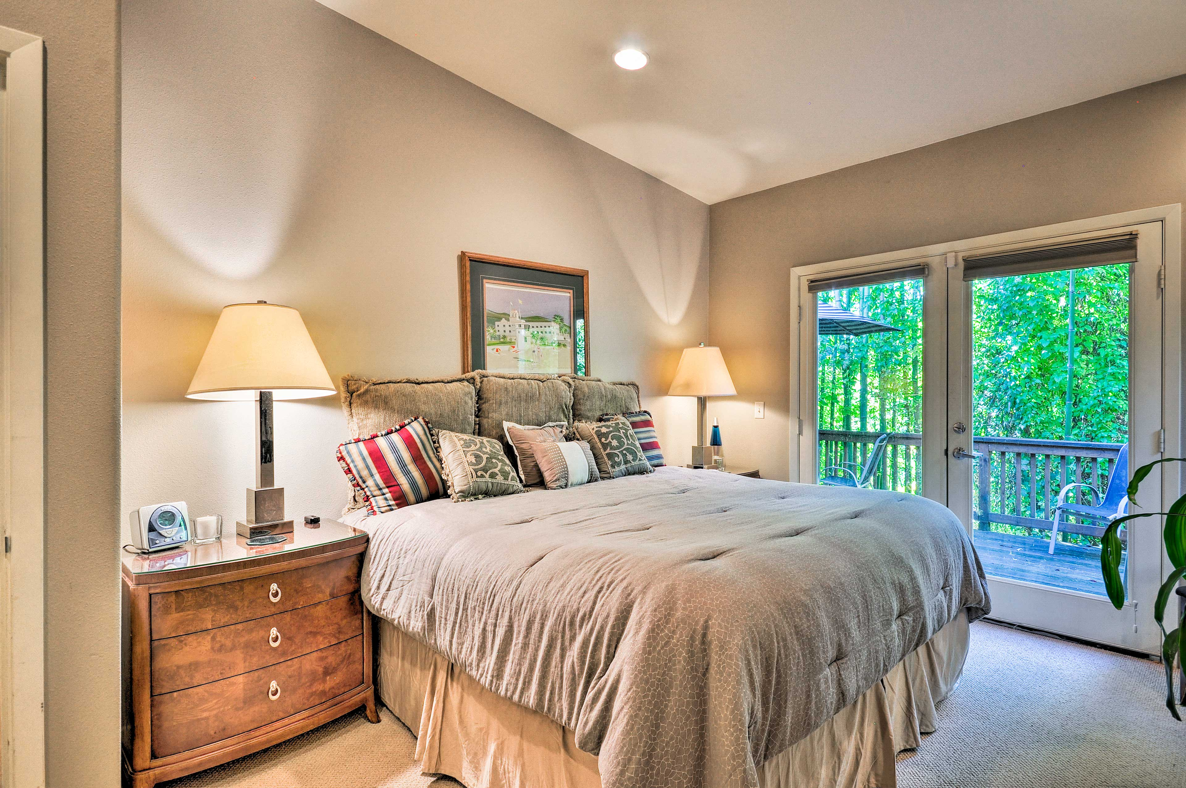 Bedroom 3   Queen Bed   Deck Access