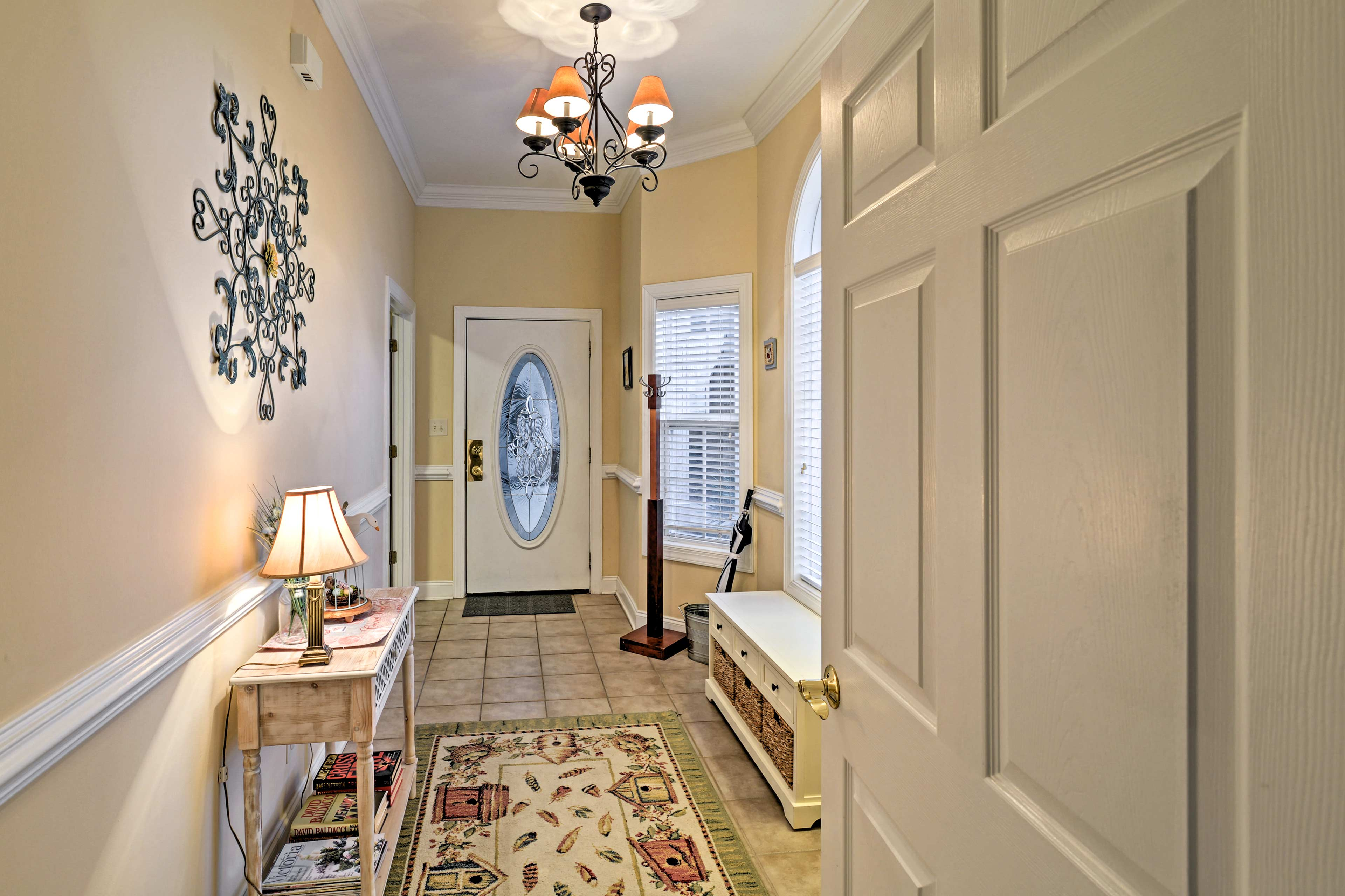 Step into the beautiful foyer to begin your vacation!