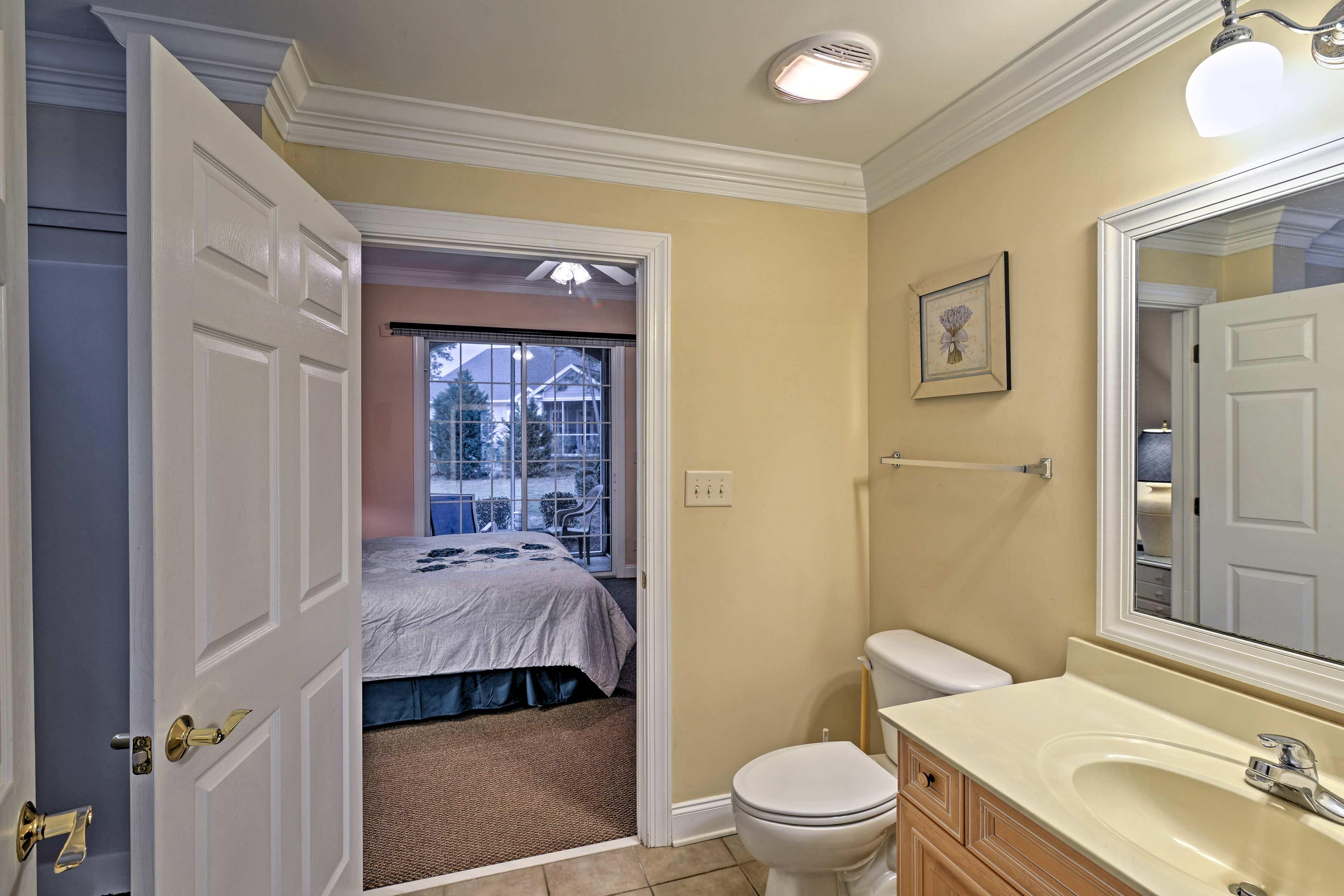 Rinse off in the master en-suite bathroom.