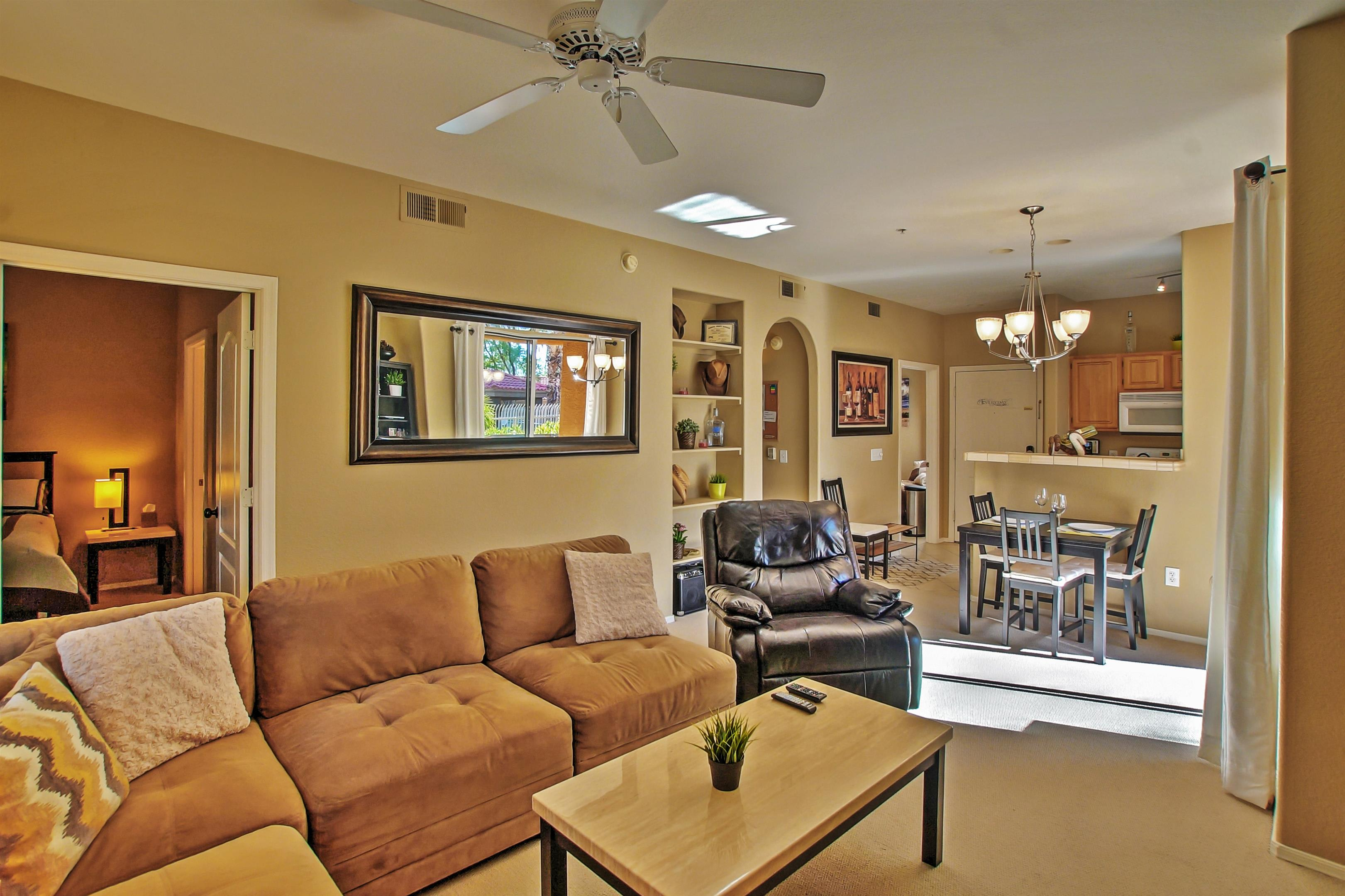 Living Room | Gas Fireplace