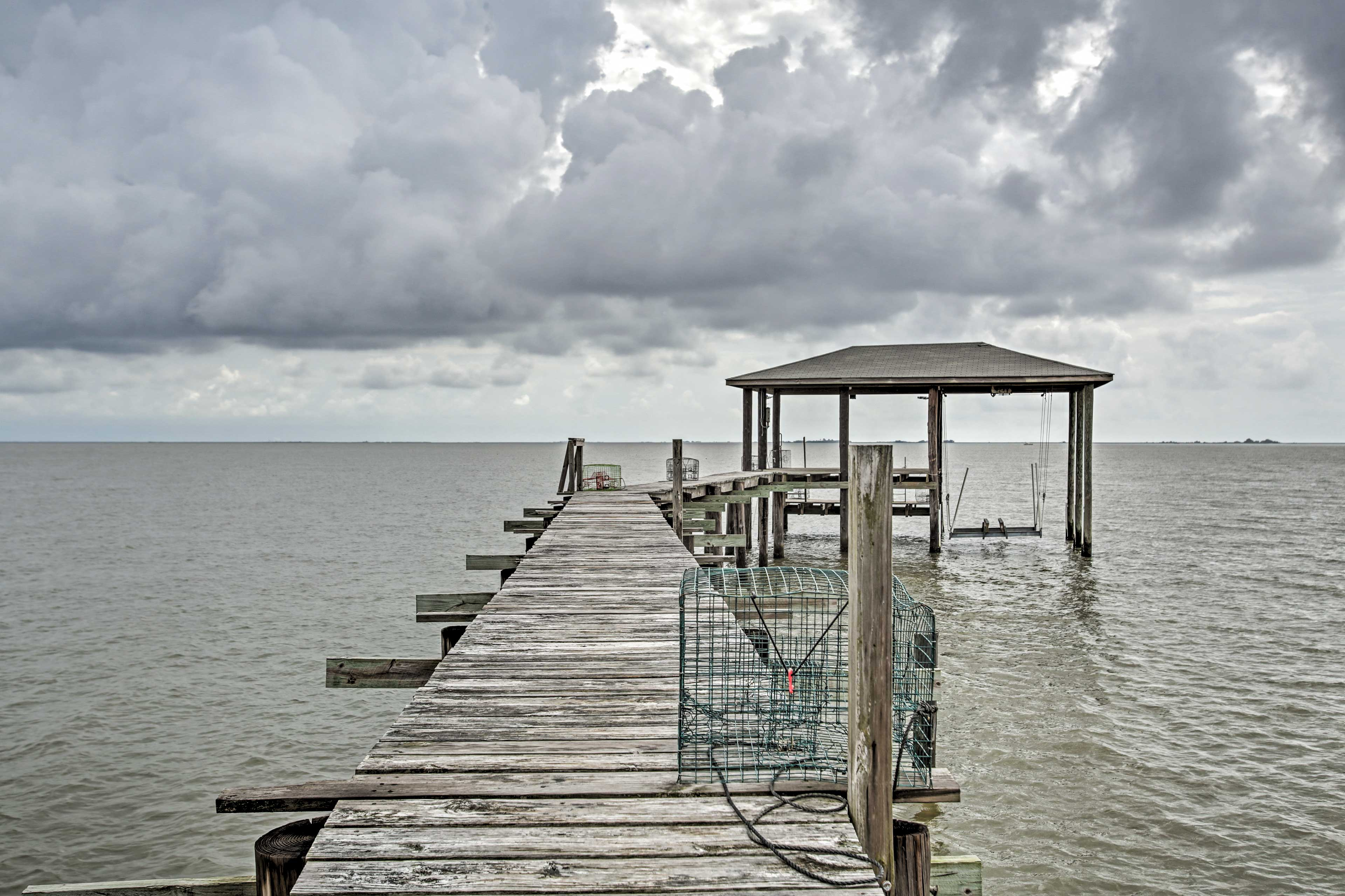Private Dock | 10 Provided Crab Traps