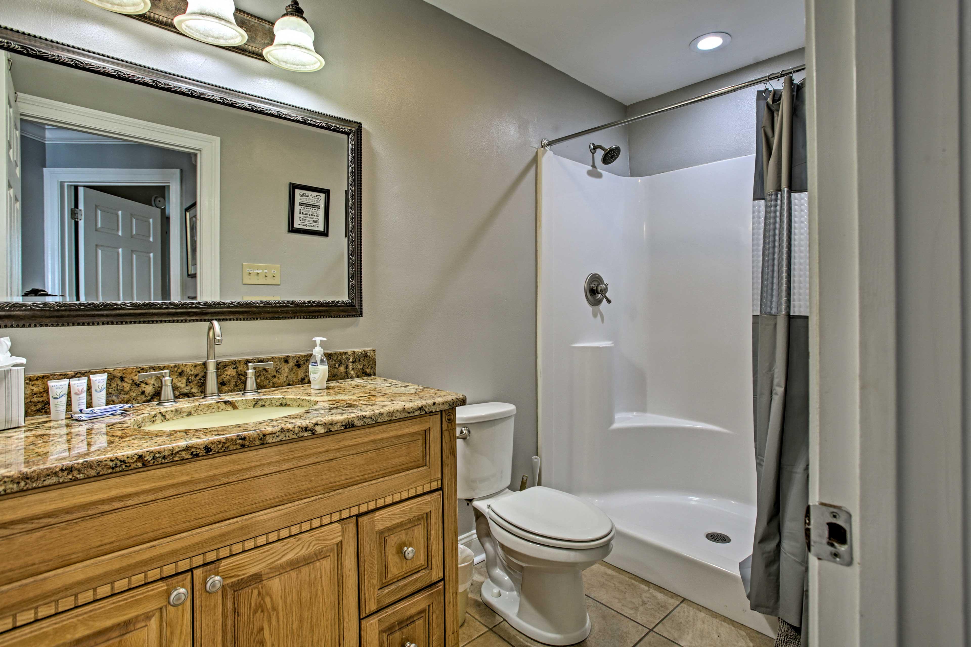 Full Bathroom 2 | Towels Provided | Walk-In Shower