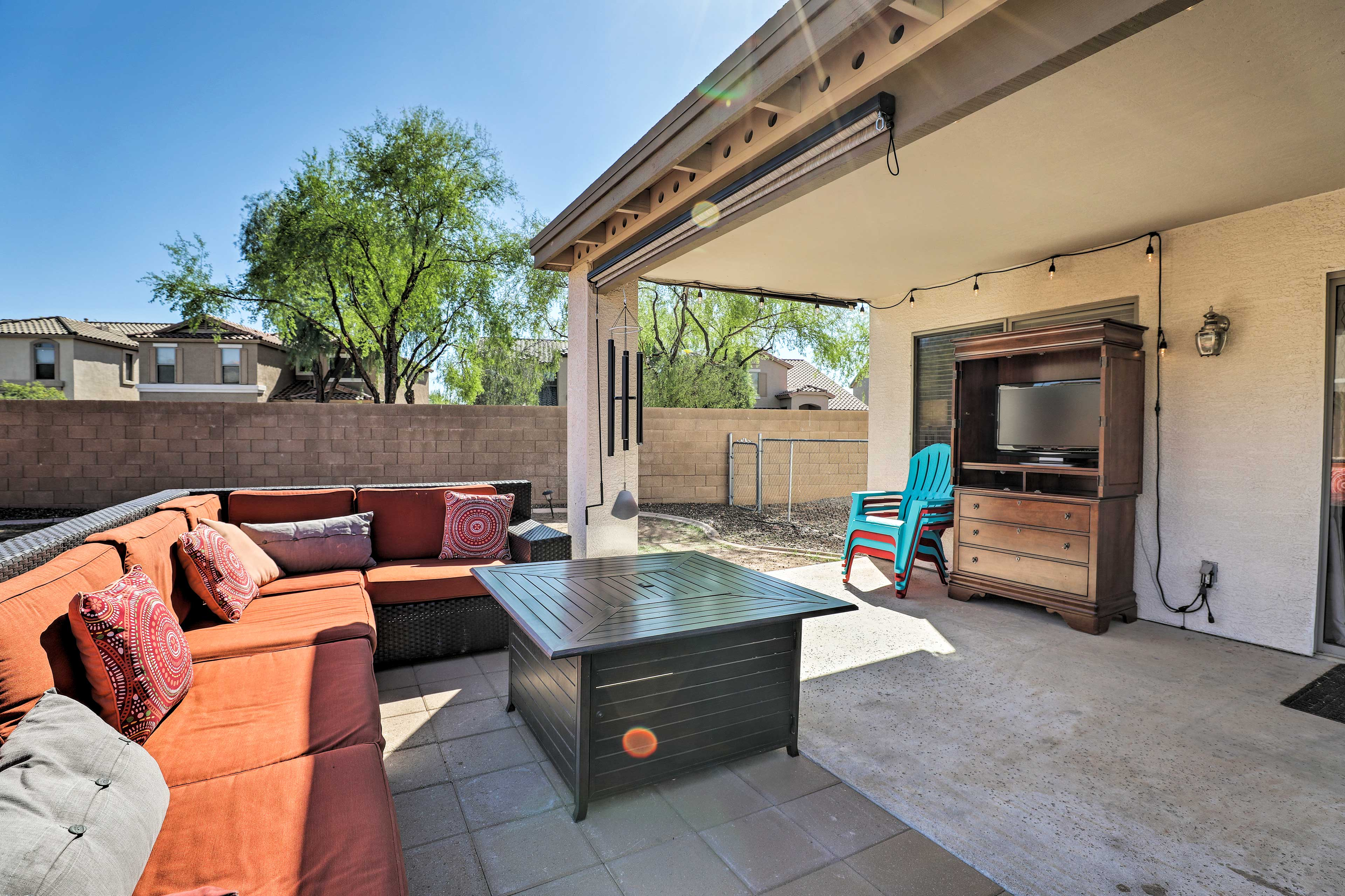 Outdoor Sitting Area   Flat-Screen Cable TV