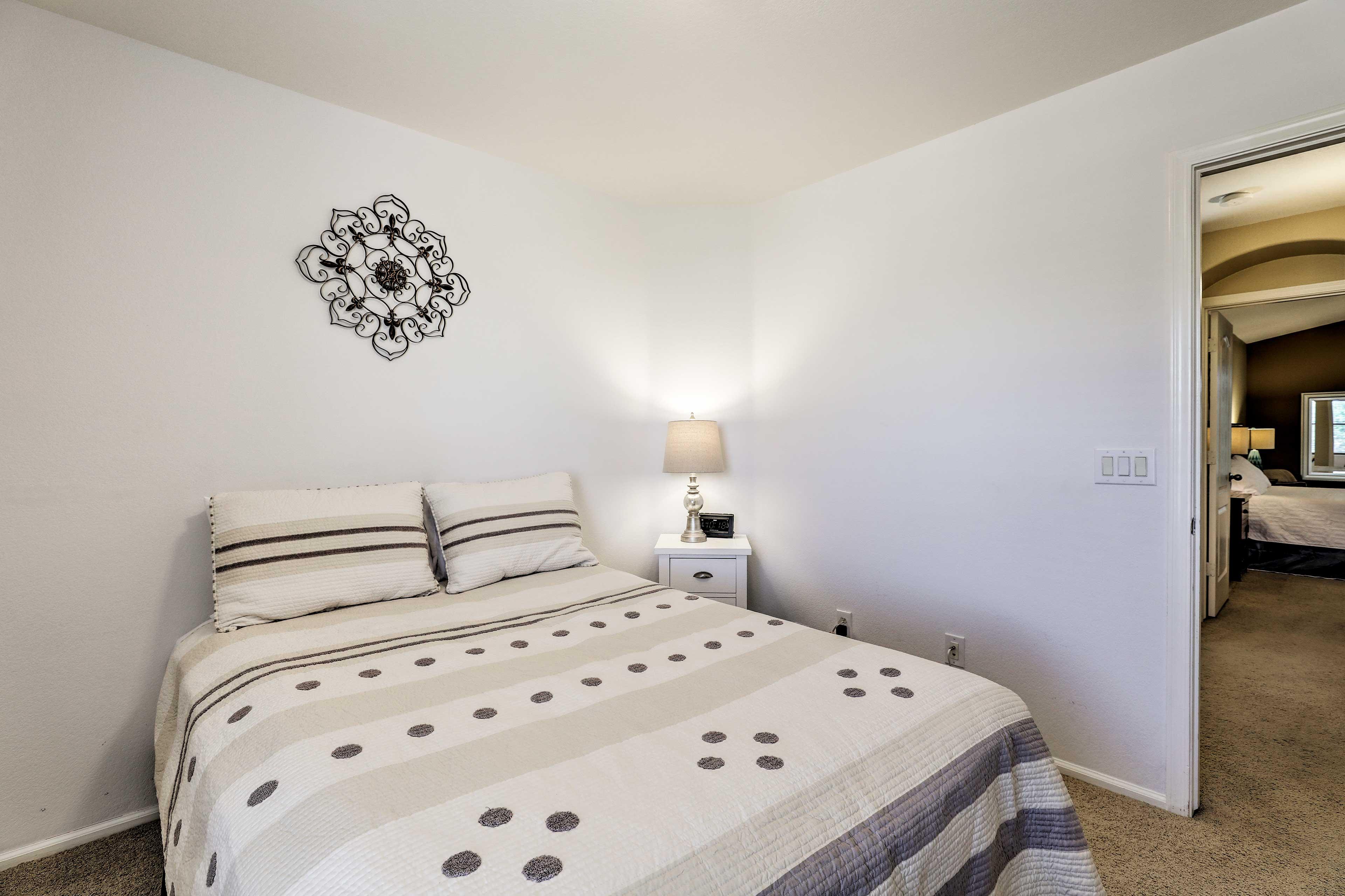 Bedroom 3   Queen Bed   2nd Level