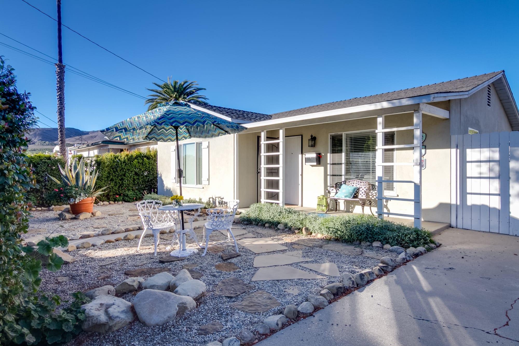 Ventura Vacation Rental | Single Story Home | 2BR | 1BA | 833 Sq Ft