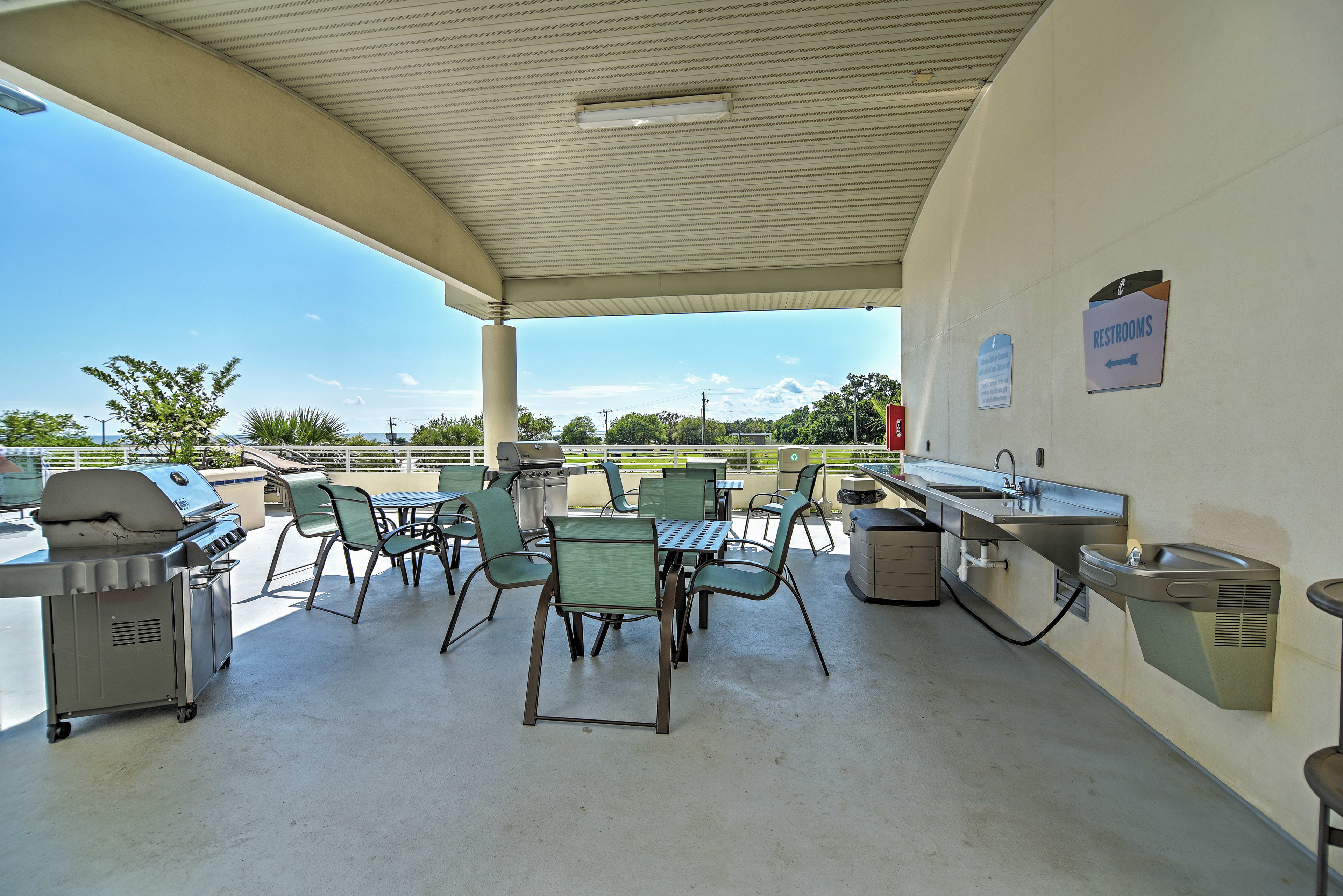 Dine al fresco on the covered patio, with ample seating!