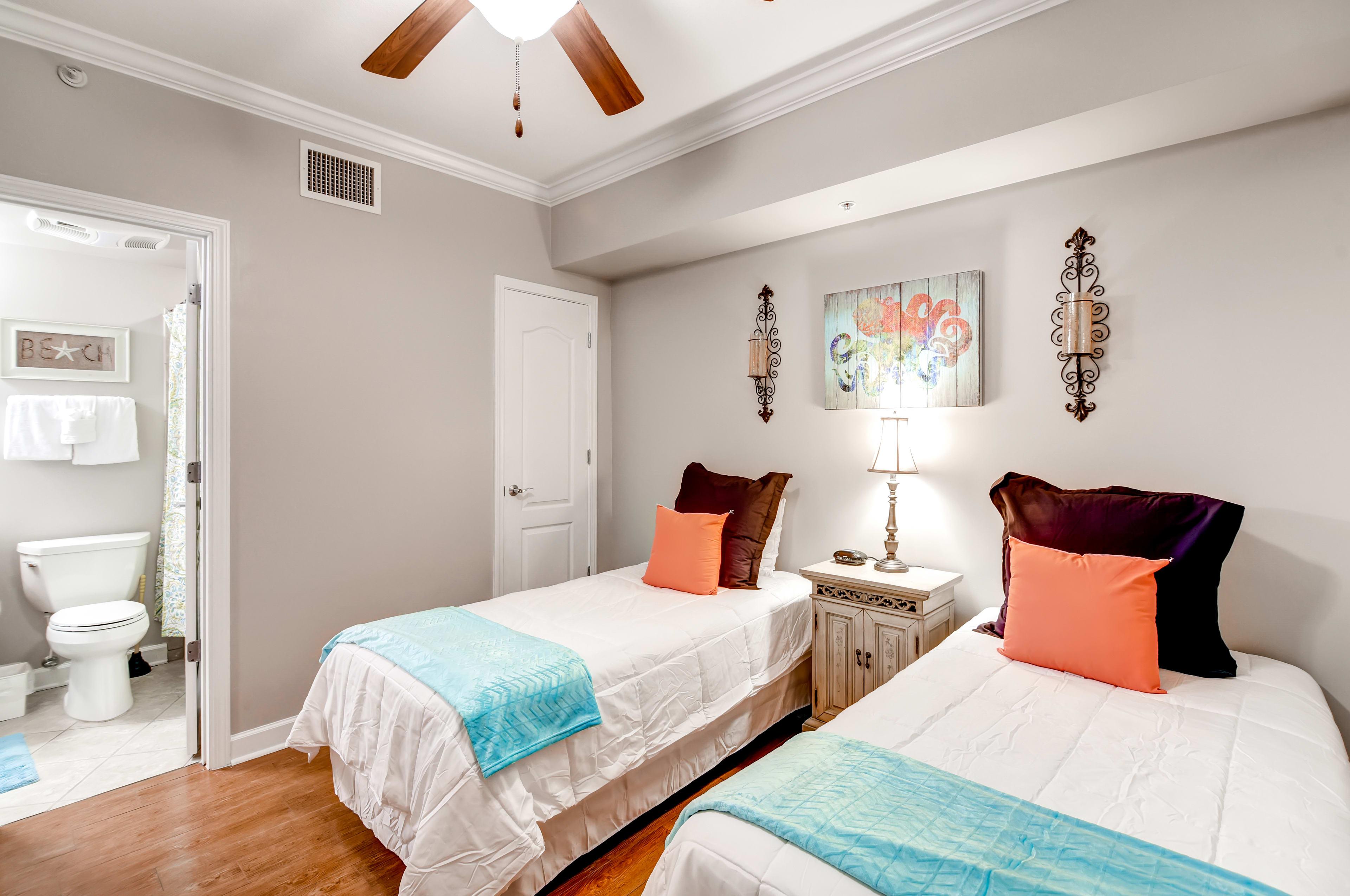 Bedroom 2 | 2 Twin Beds