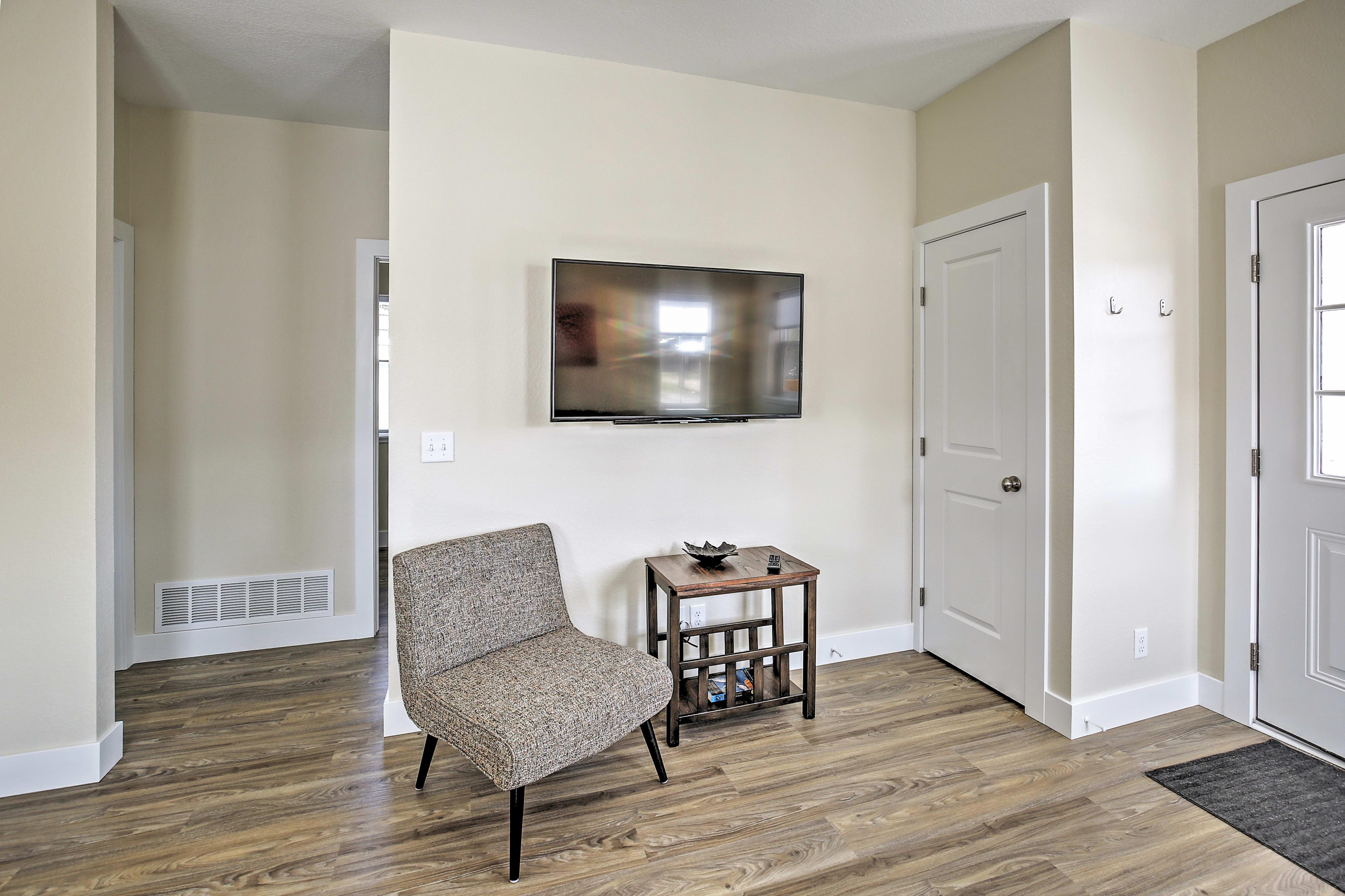 Living Area | Sleeper Sofa w/ Memory Foam Mattress