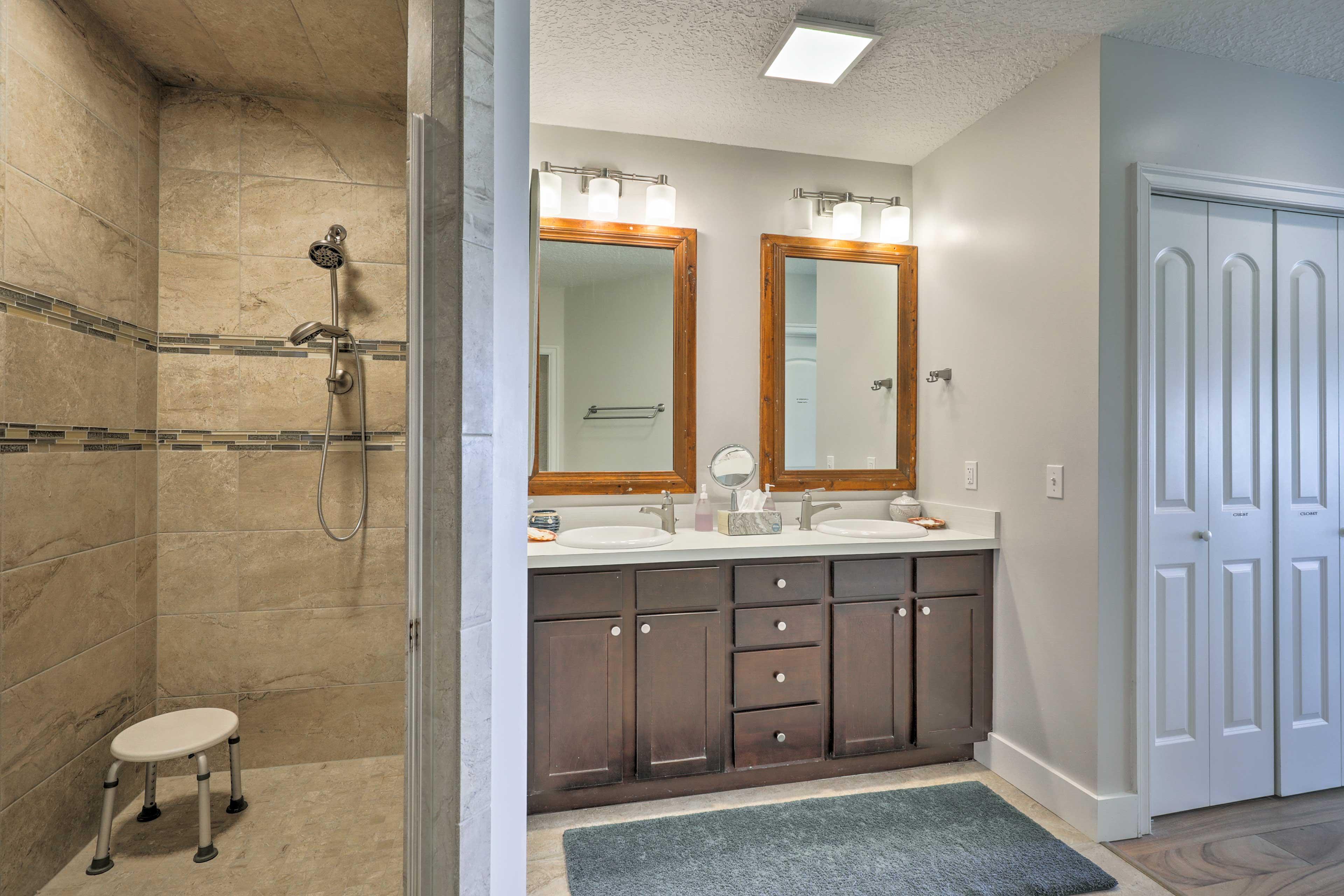 Both masters offer en-suite baths.