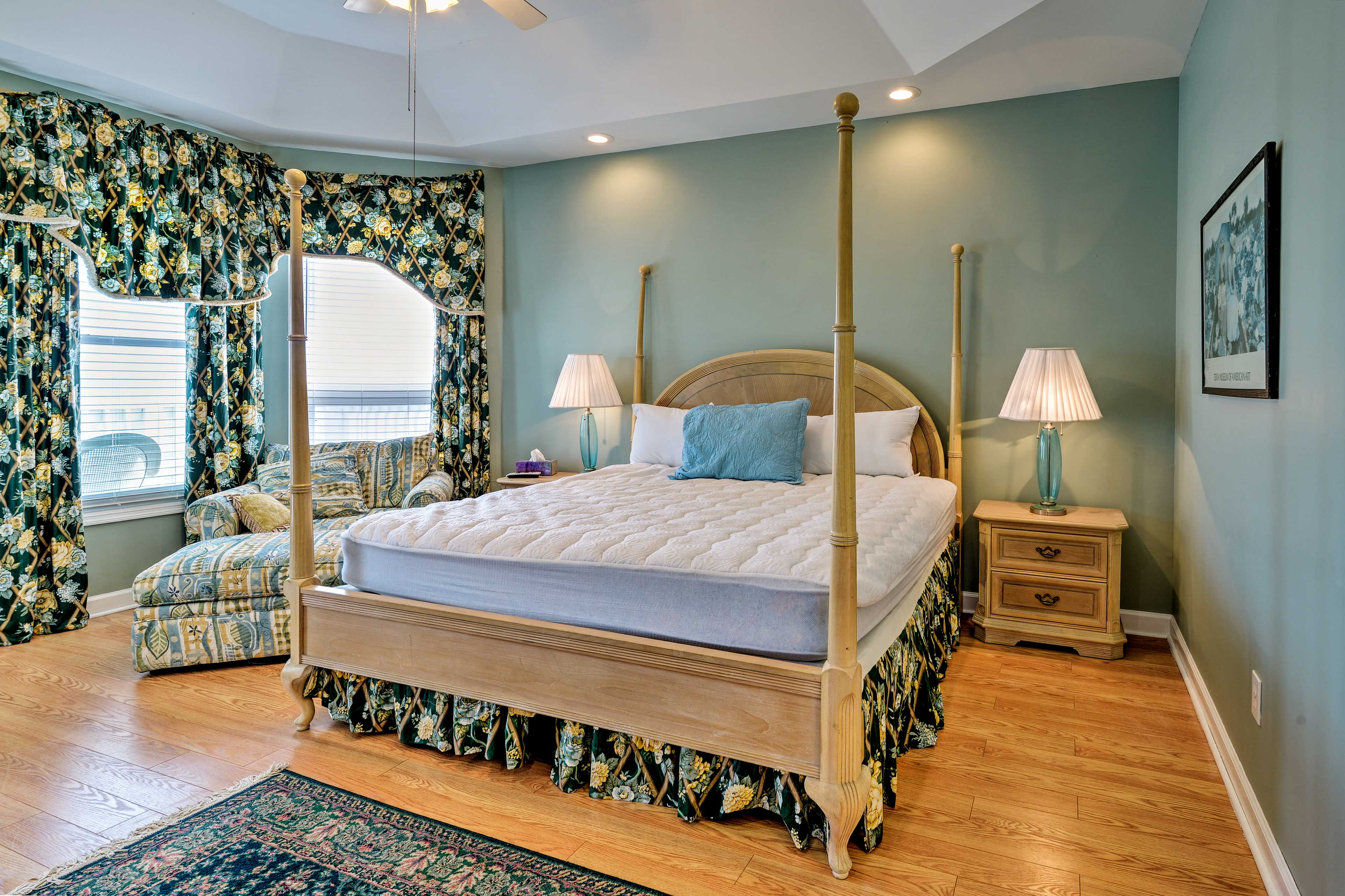 Primary Bedroom   2nd Floor   King Bed