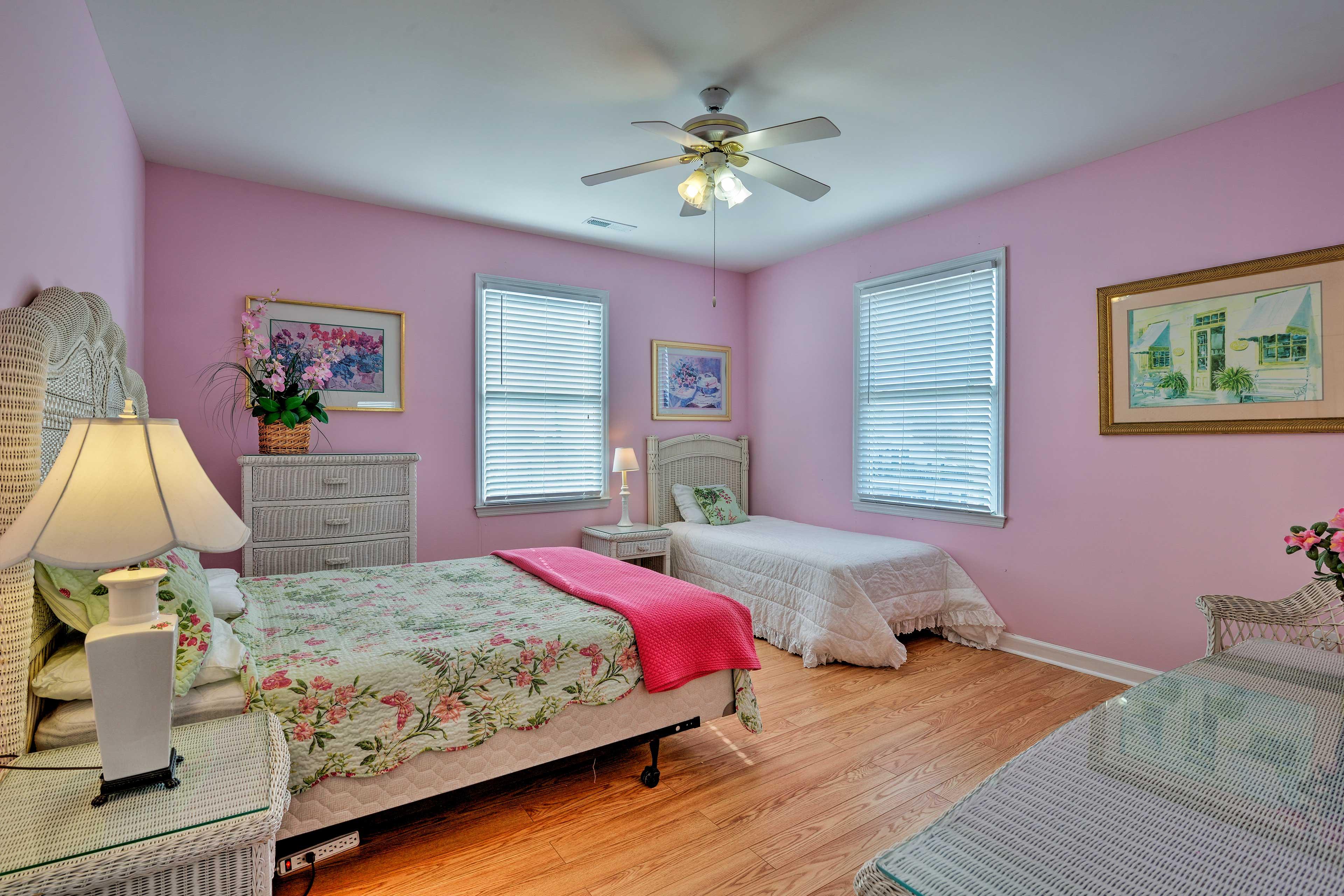 Bedroom 5   2nd Floor   Queen Bed, Twin Bed