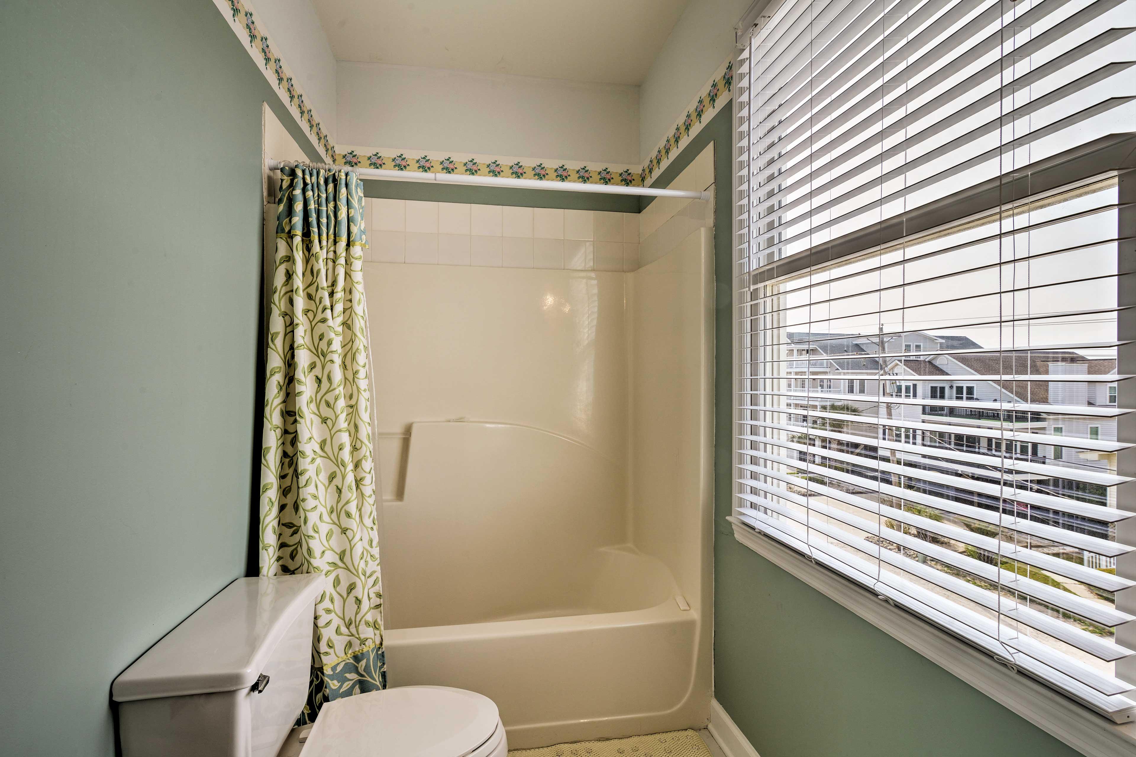 En-Suite Bathroom   Grab Rails in Shower