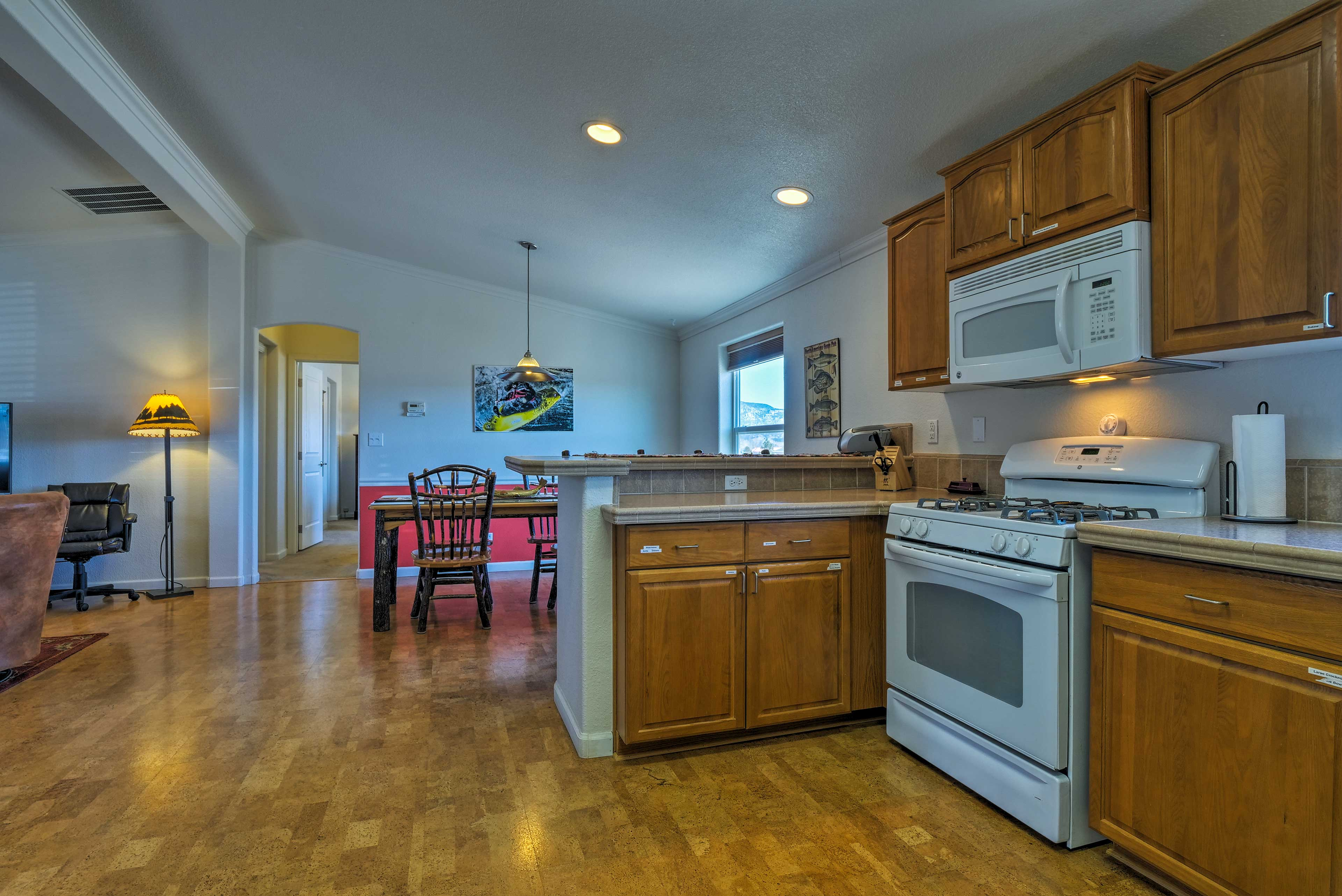 Kitchen | Fully Equipped w/ Cooking Basics