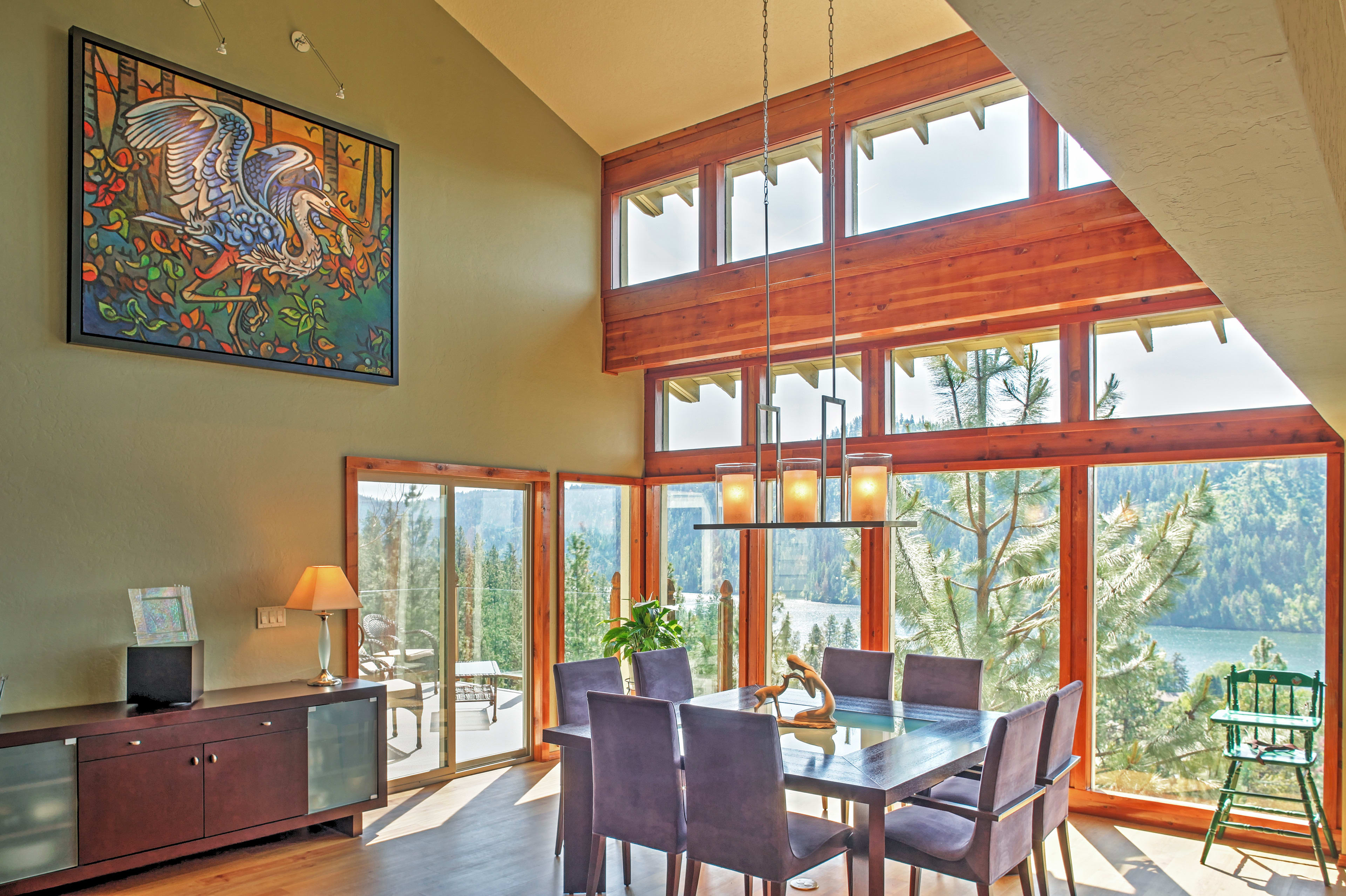 You'll love dining with lake and mountain views!