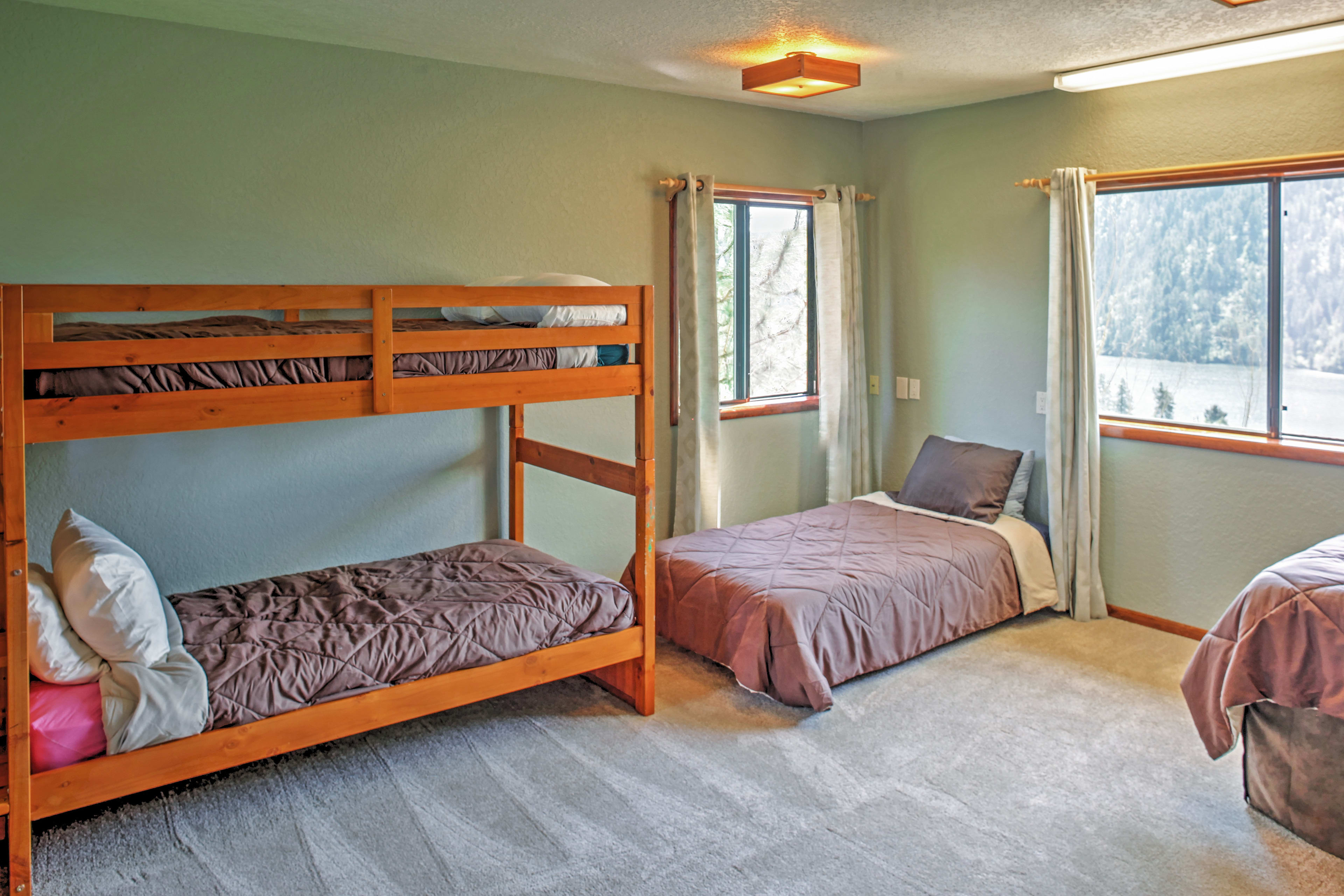 This large bunk room offers scenic Fernan Lake views.